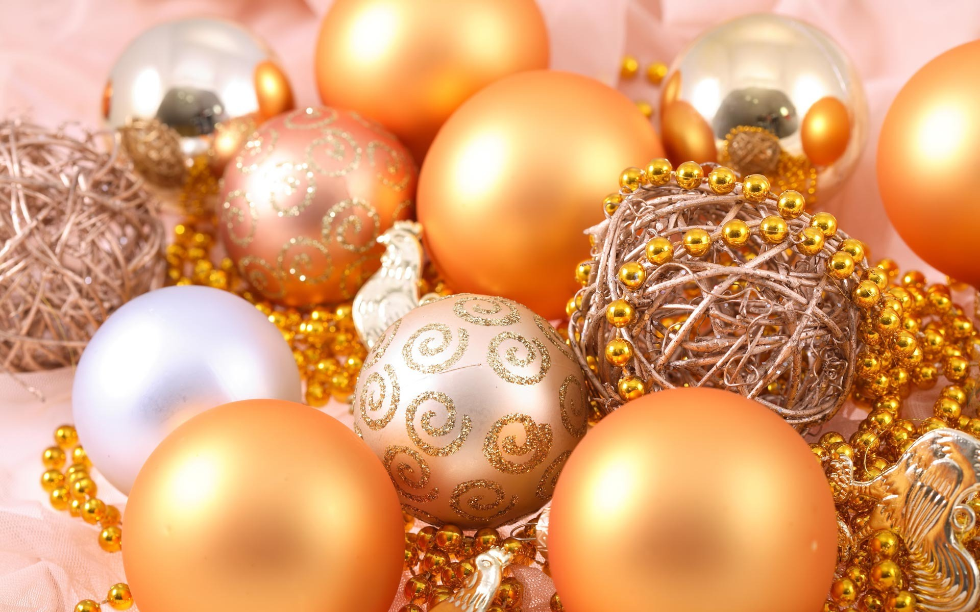 Fantastic Christmas Ornaments Wallpaper