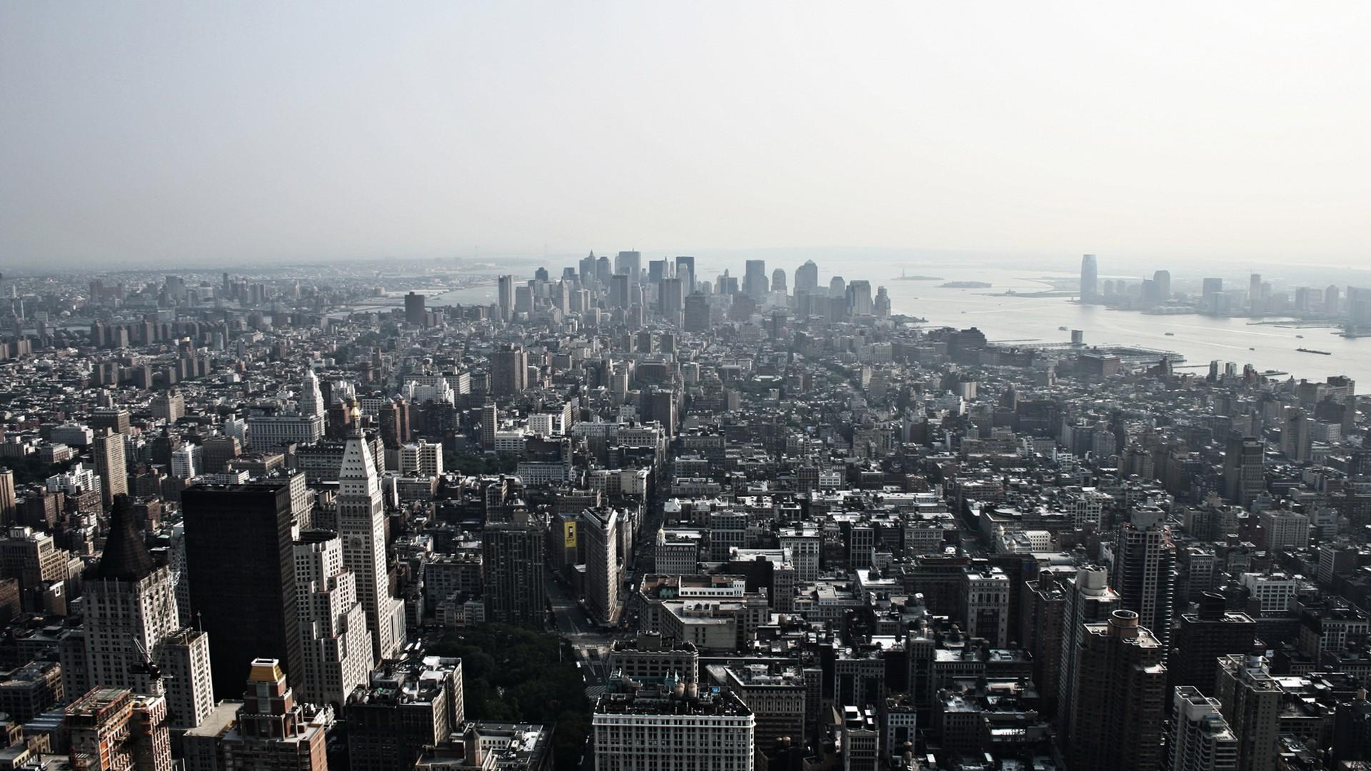 Fantastic City Skyline Wallpaper