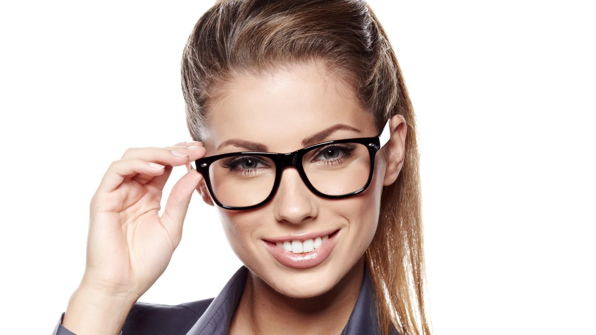 Fantastic Girl Glasses Wallpaper