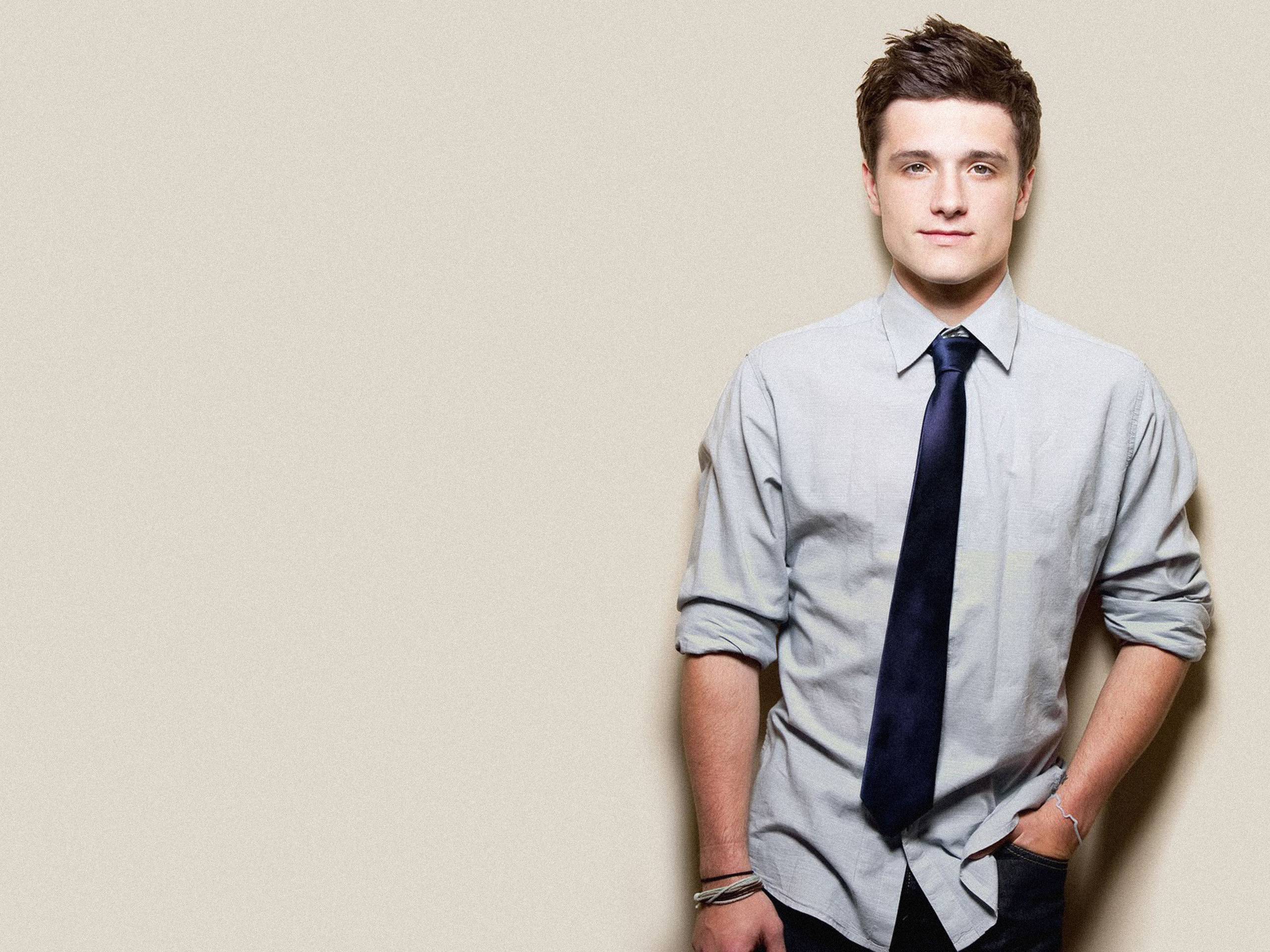 Fantastic Josh Hutcherson Wallpaper