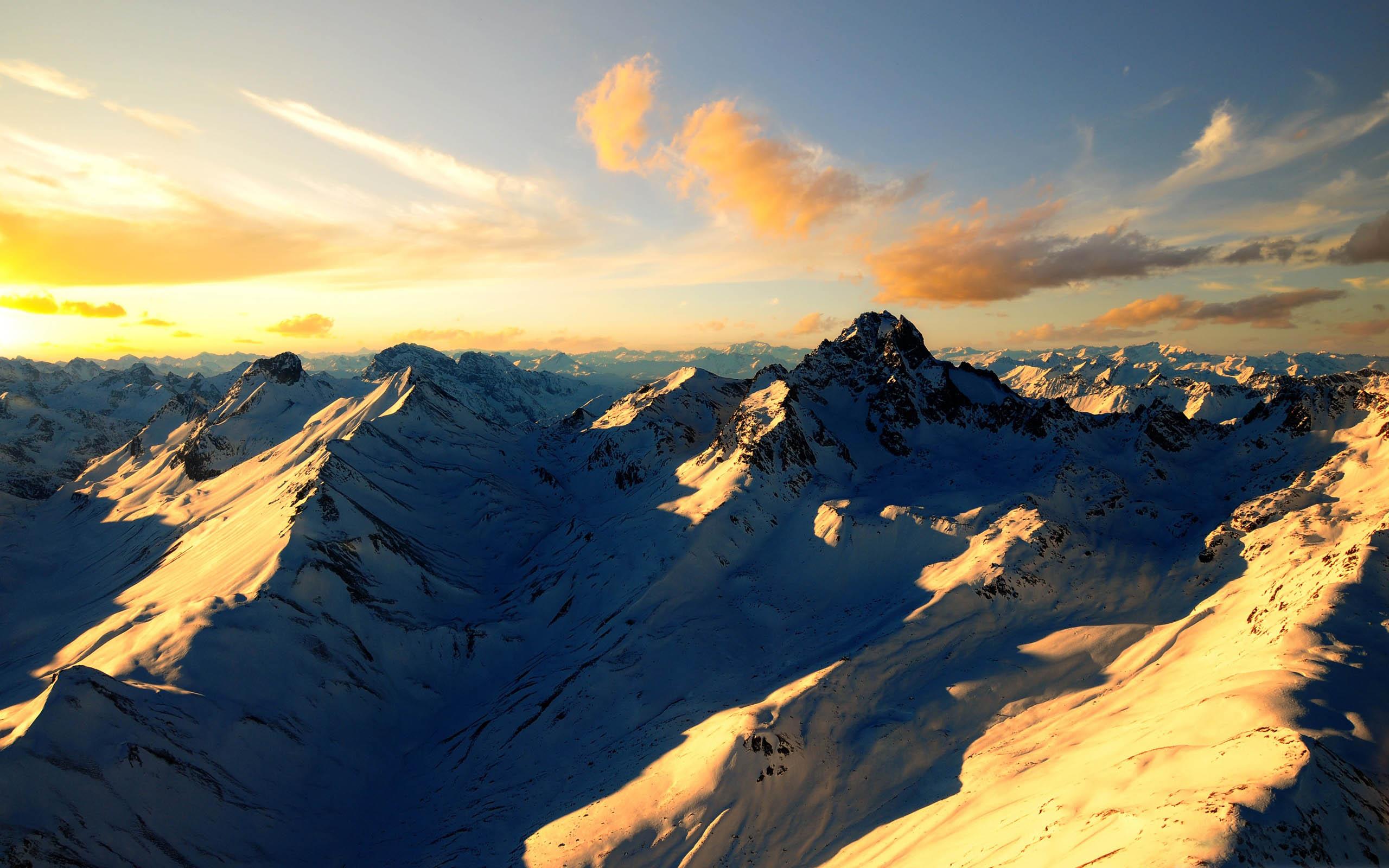 Fantastic Mountain Scenery