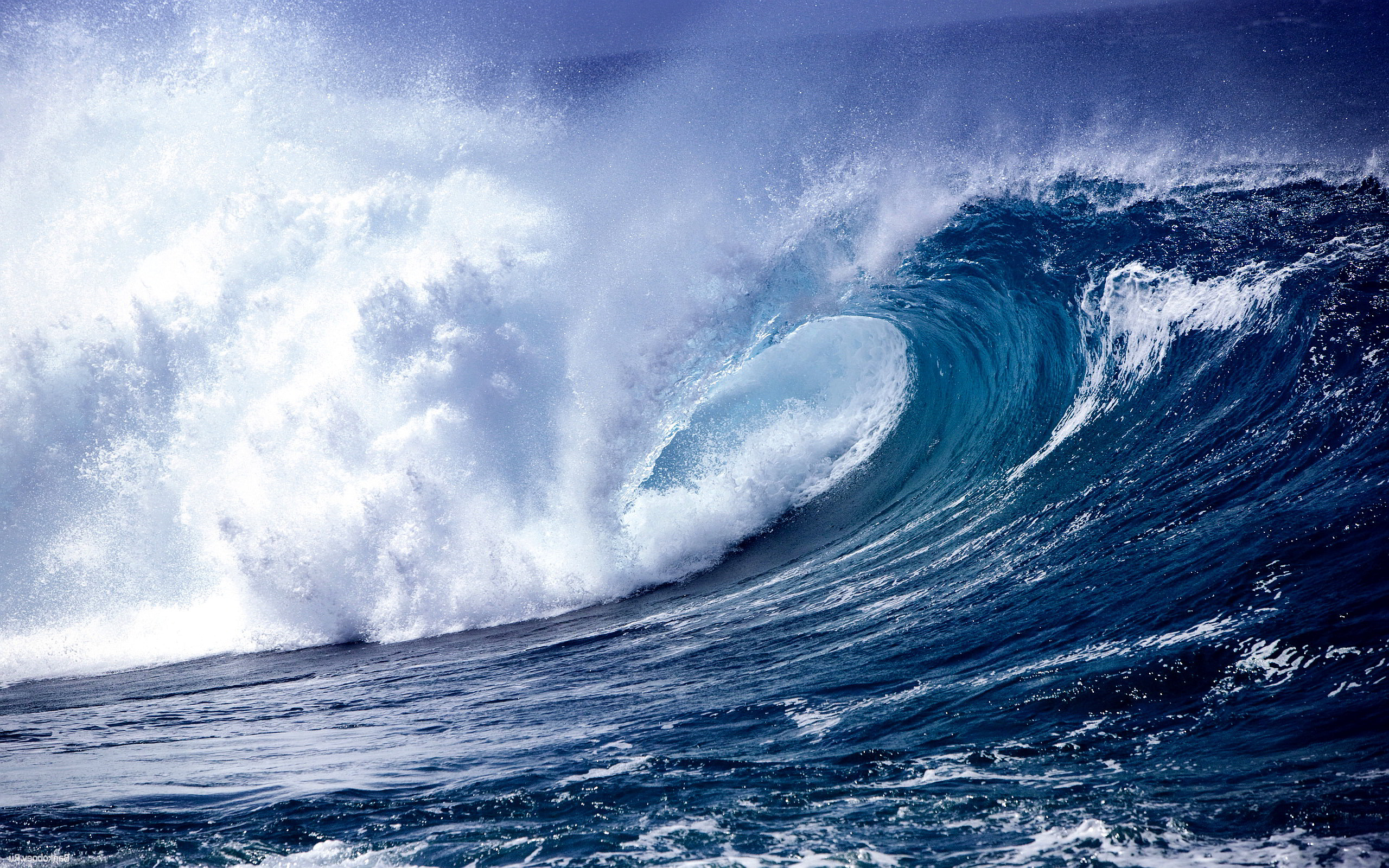 Fantastic Ocean Waves Wallpaper
