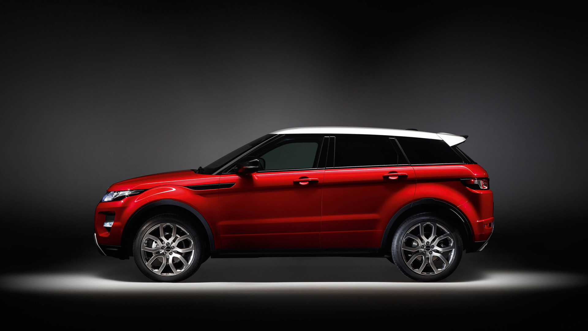 Fantastic Red Evoque Wallpaper
