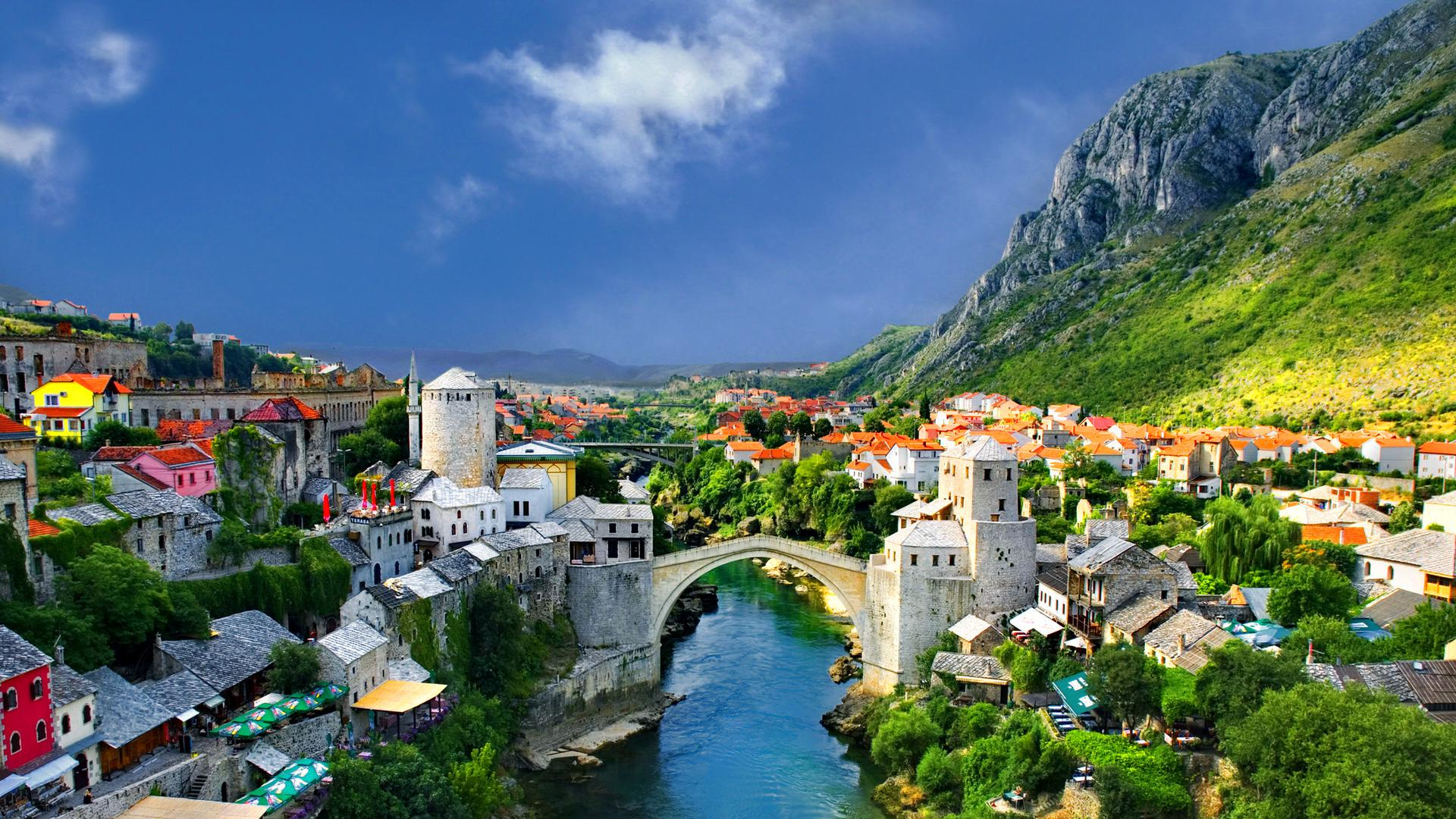 Fantastic town in a river valley HQ WALLPAPER - (#106110)