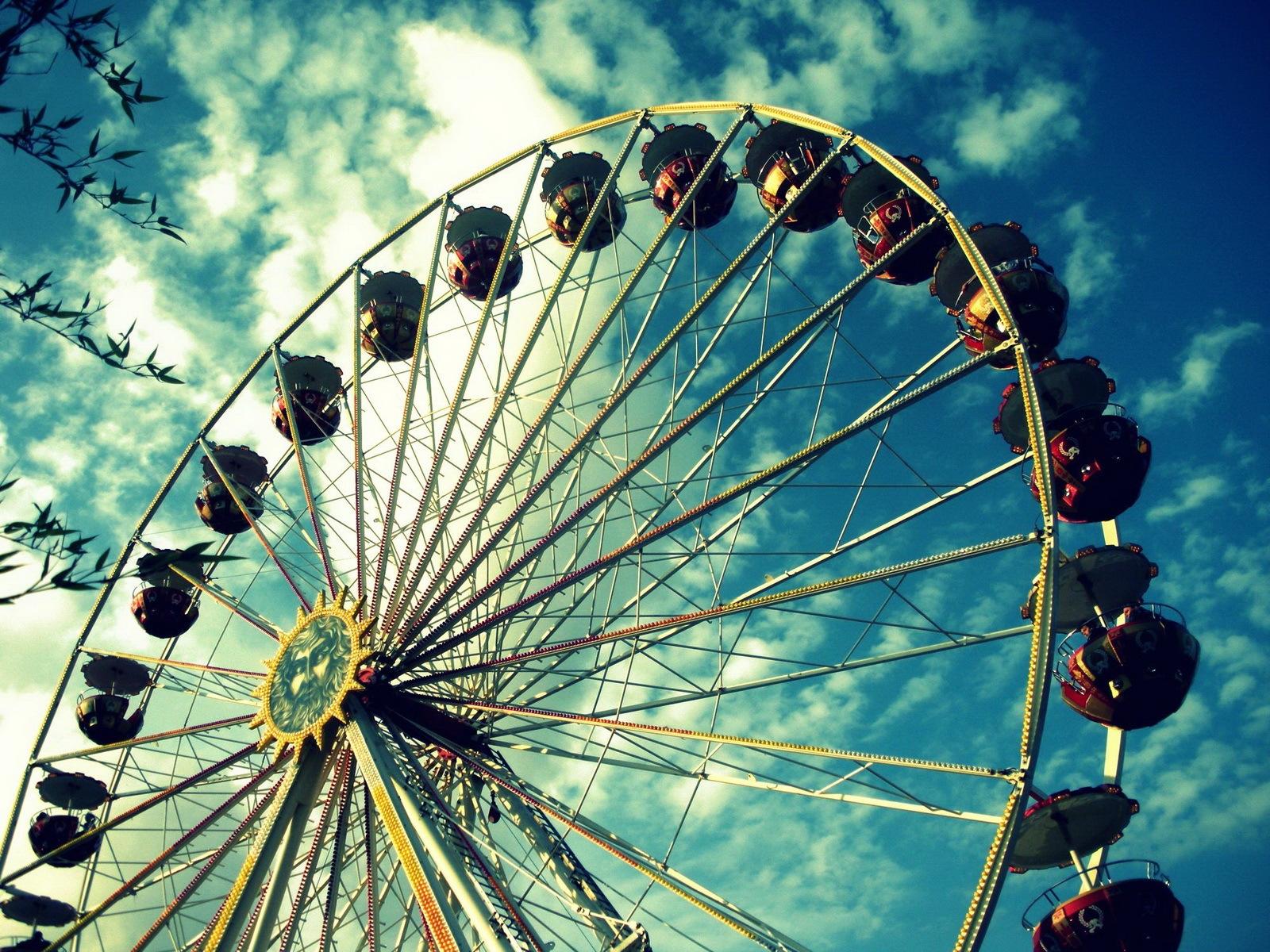 Ferris Wheel Wallpaper