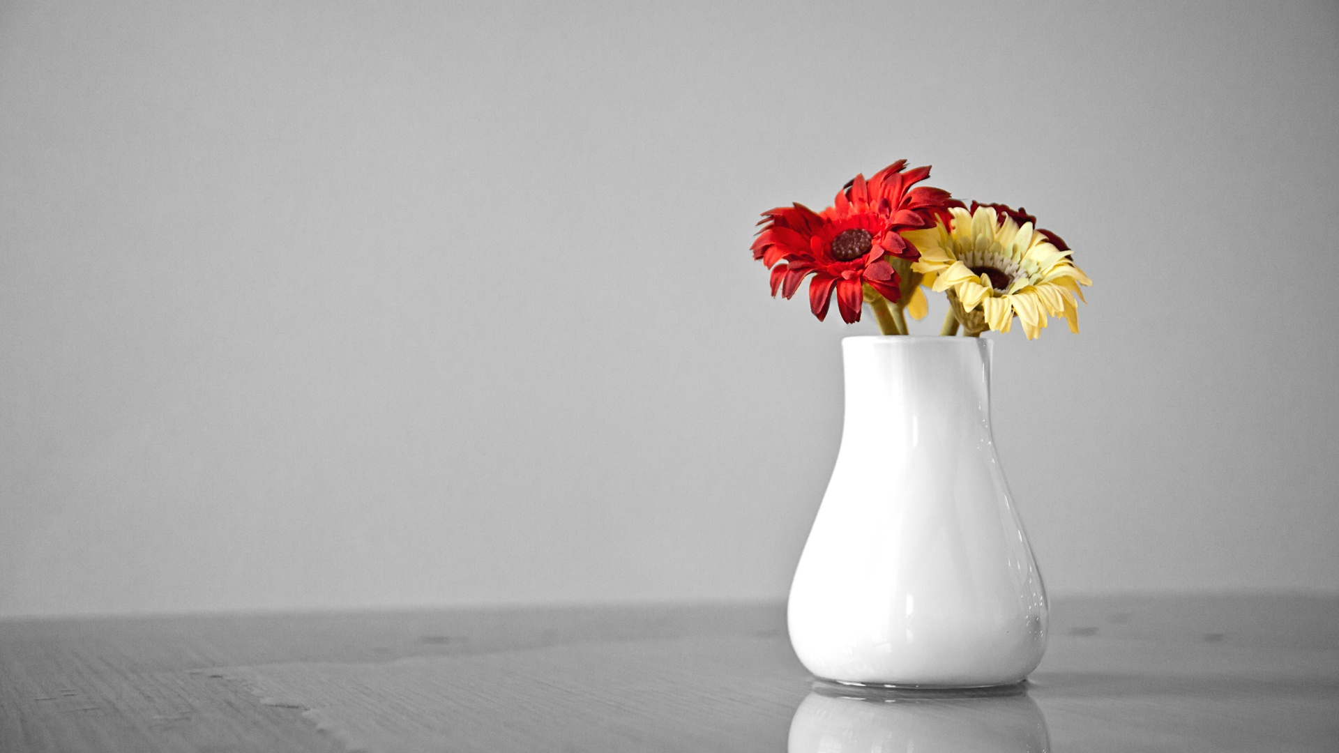 Flower Pot Wallpaper