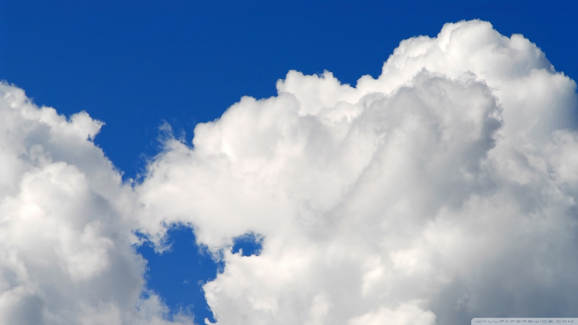 Fluffy Cloud Wallpaper