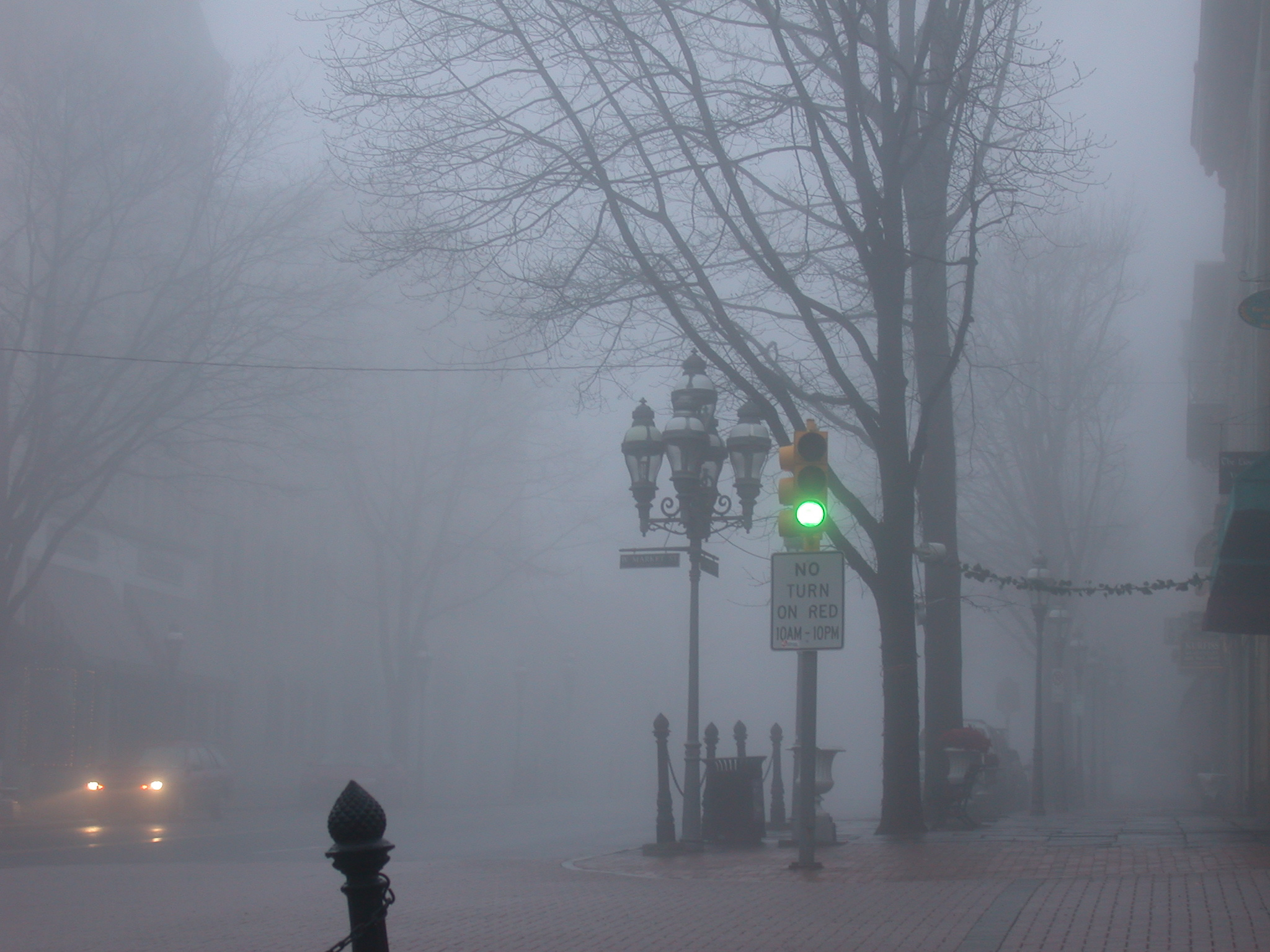A Foggy Town HD wallpapers