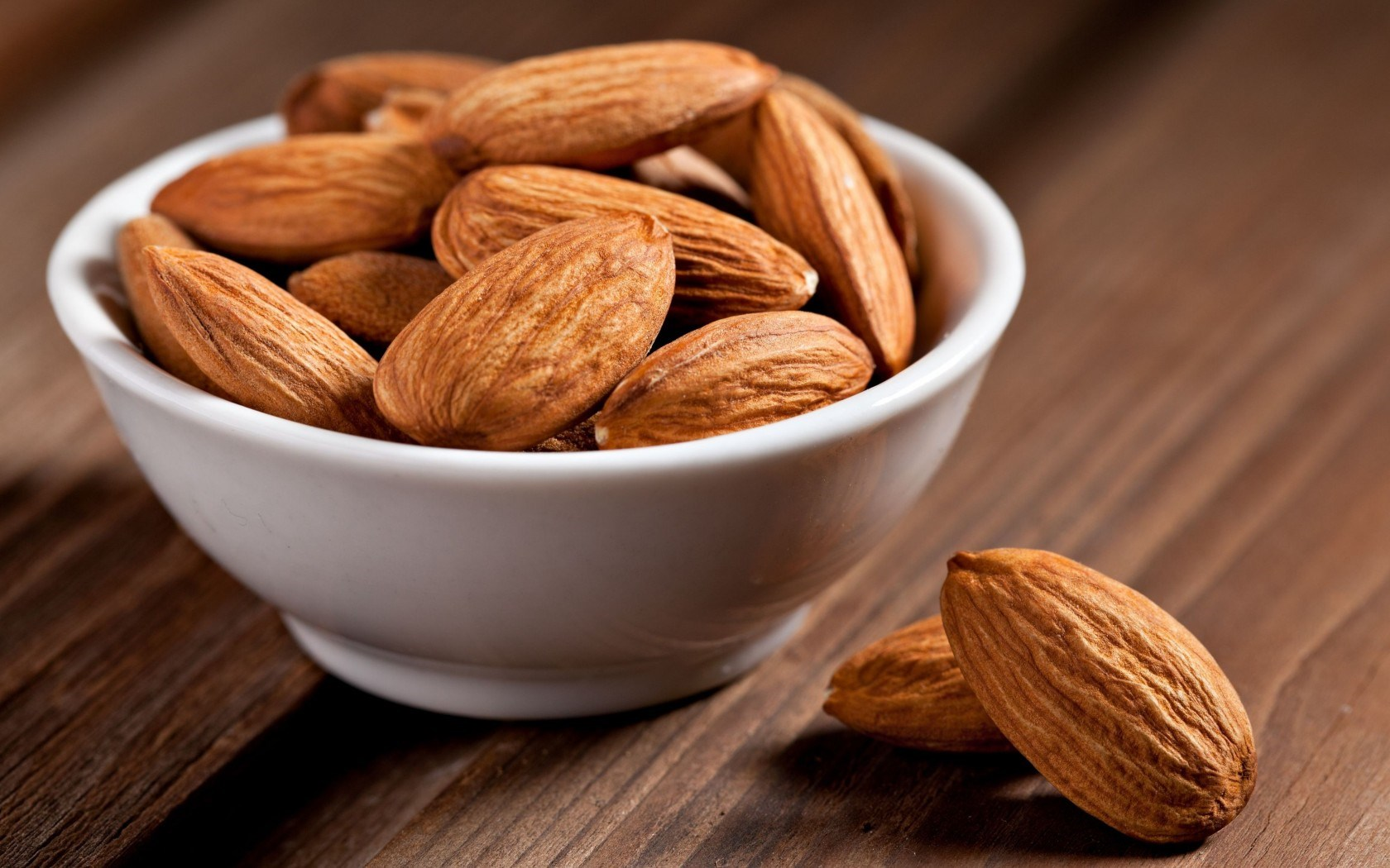 Food Almonds a Cup