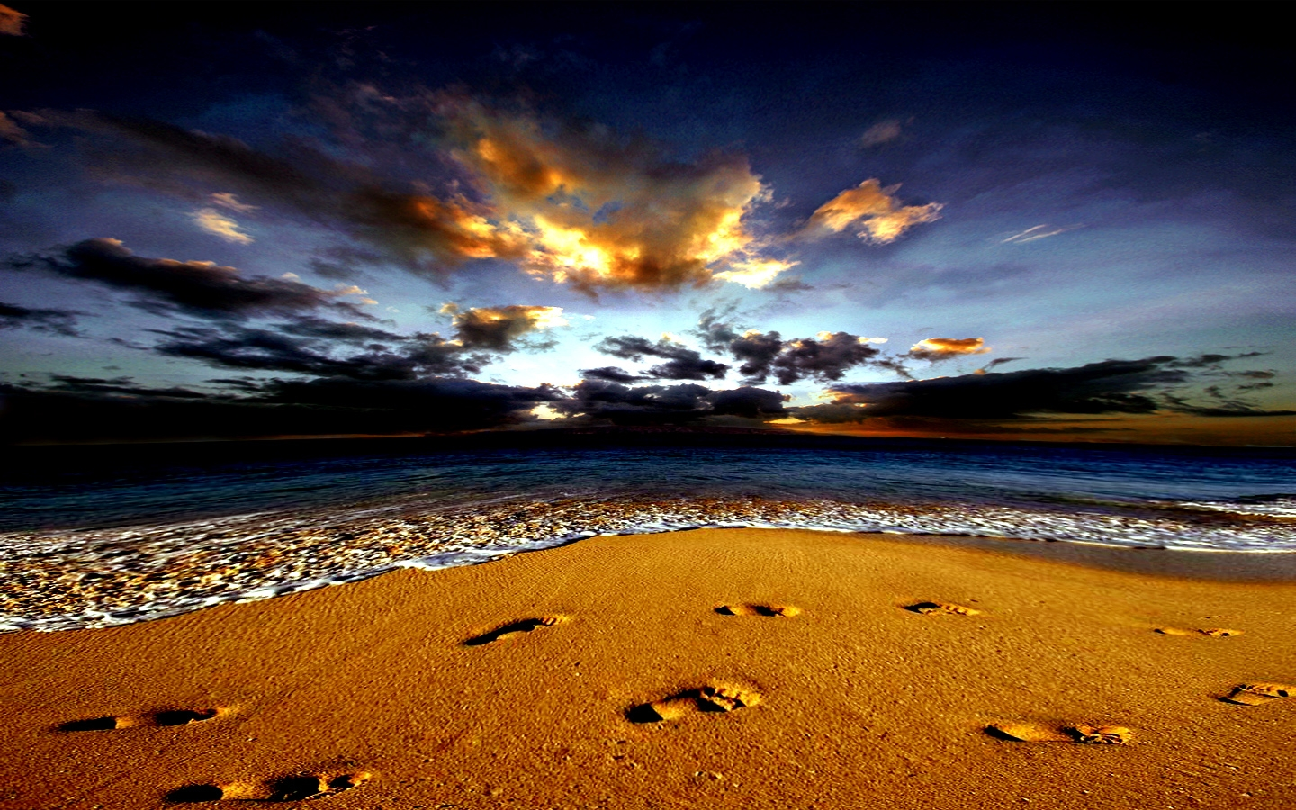 Footprints.... Wallpaper