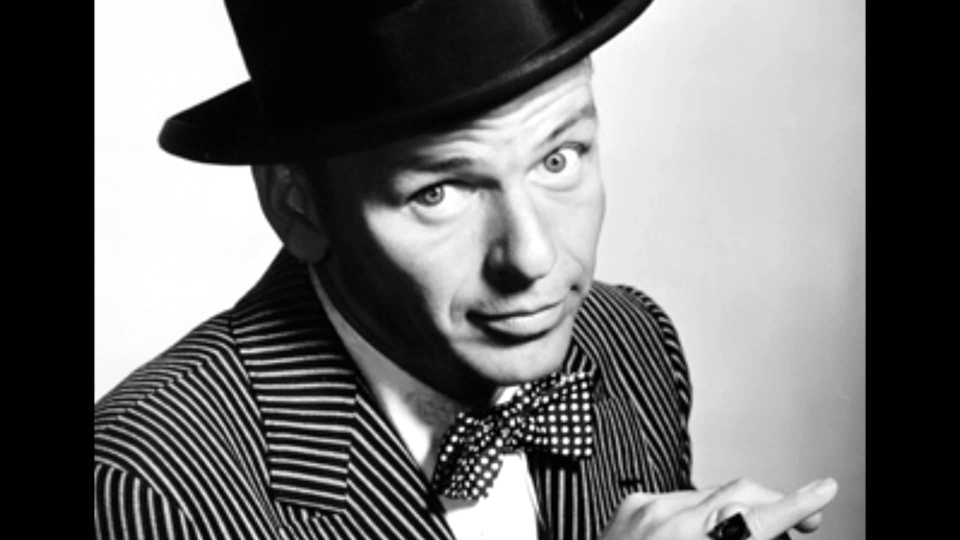 Frank Sinatra - Santa Claus is coming to town (Lyrics Video) - Christmas Song
