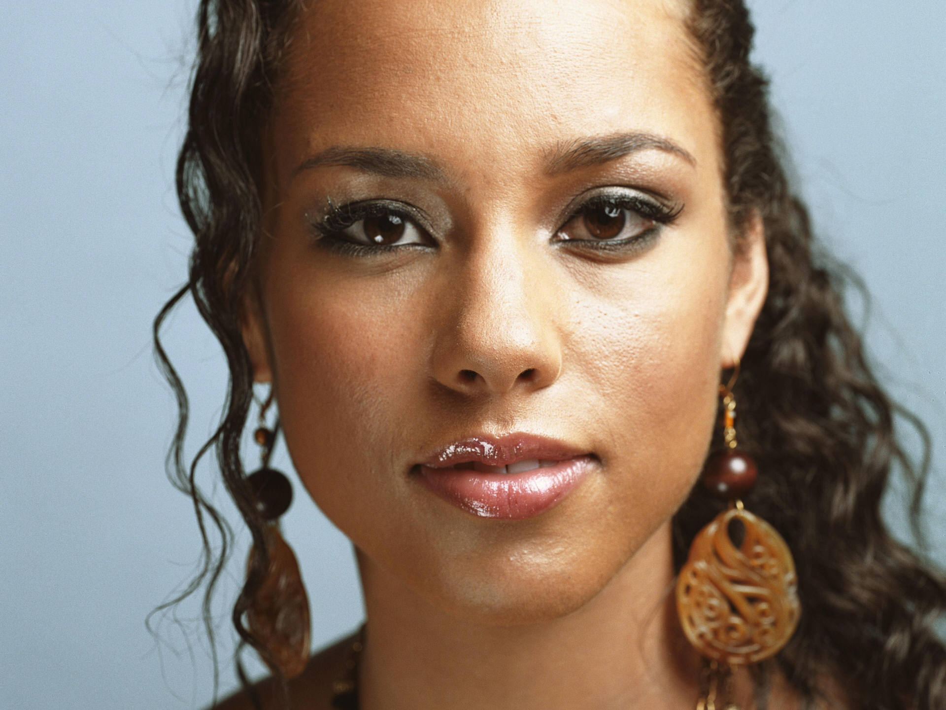 Free Alicia Keys Wallpaper