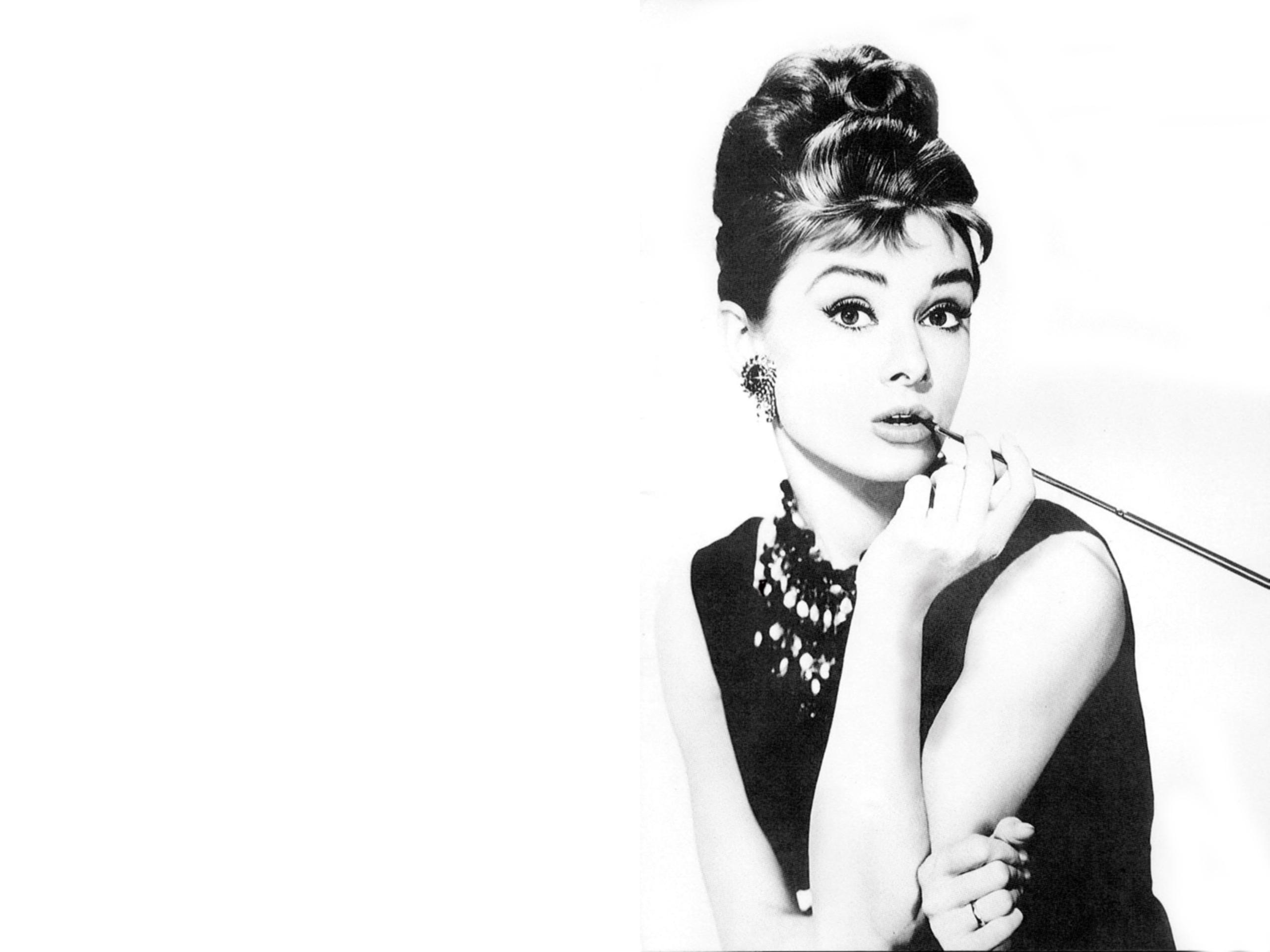 Free Audrey Hepburn Wallpaper