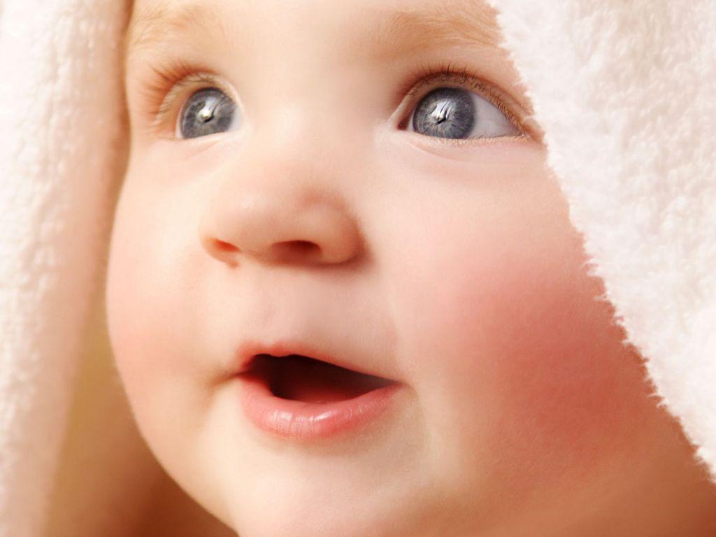 Free Baby Wallpaper