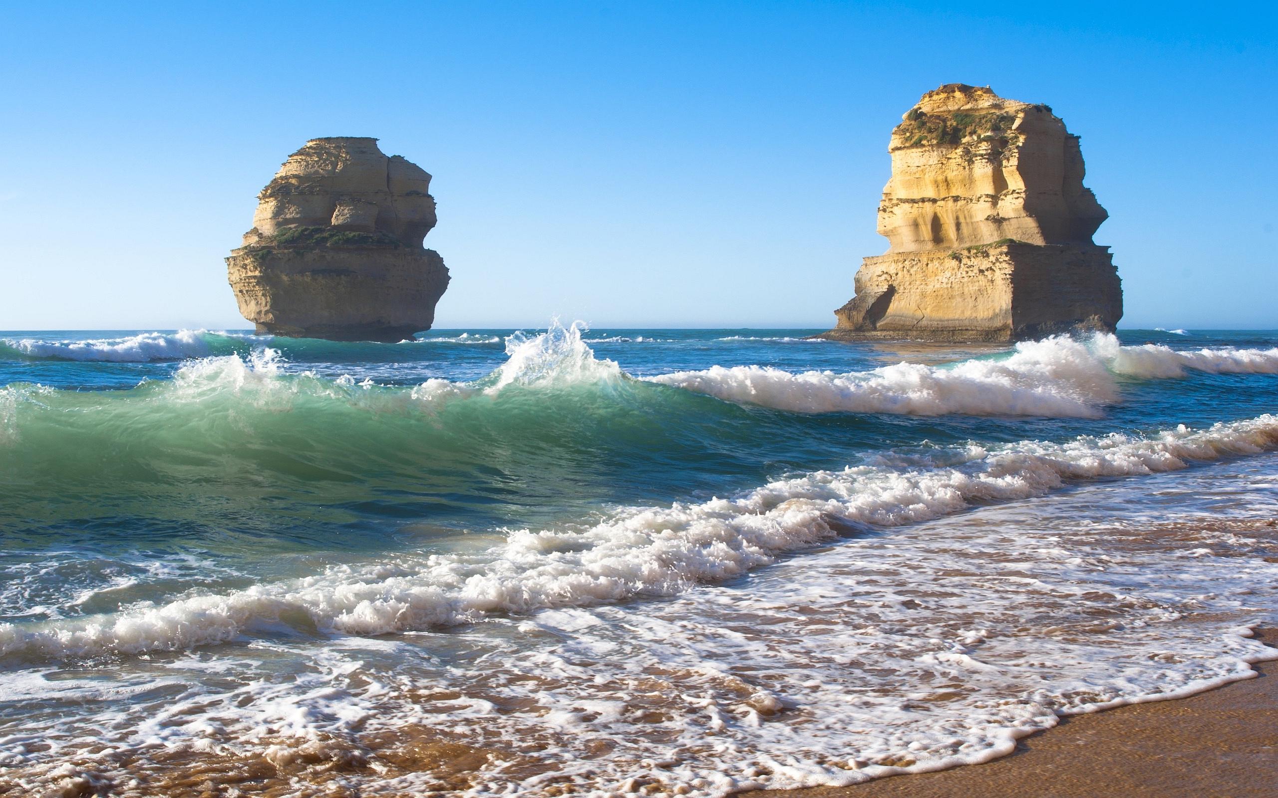 Free Beach Rocks Wallpaper