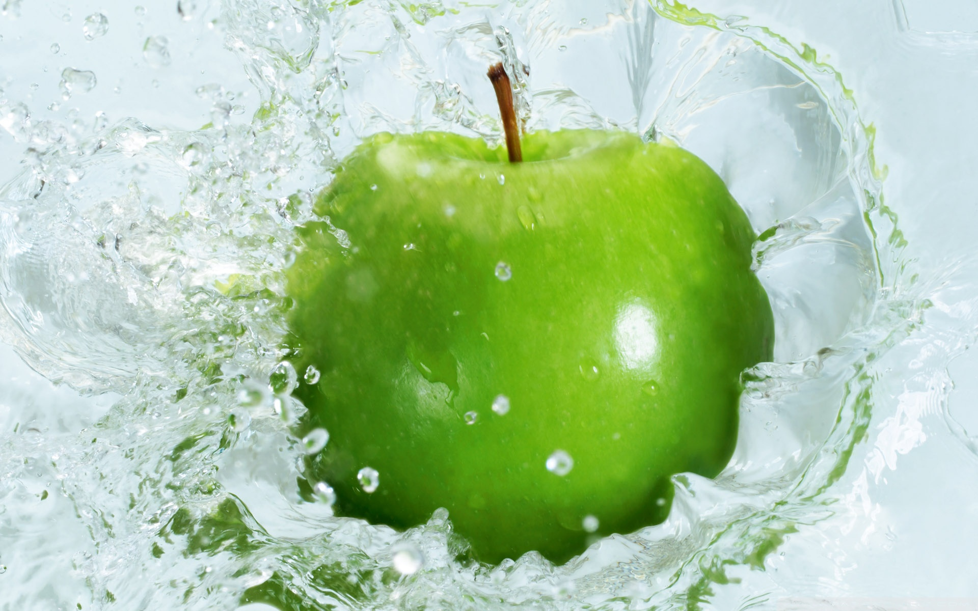Free Green Apple Wallpaper