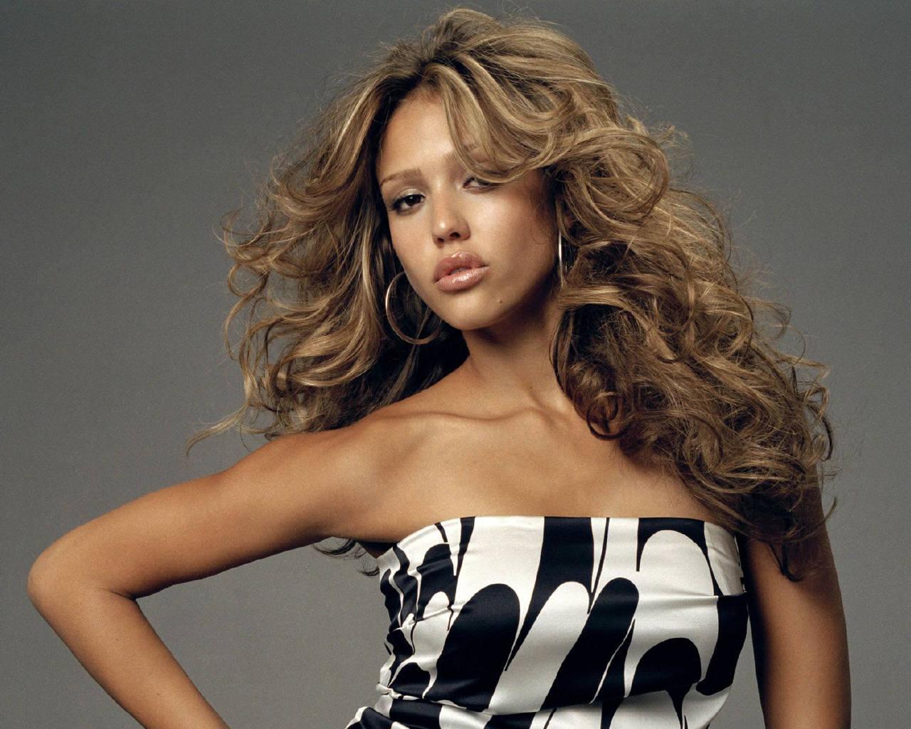Desktop Wallpaper · Celebrities · Female Jessica Alba - free wallpapers