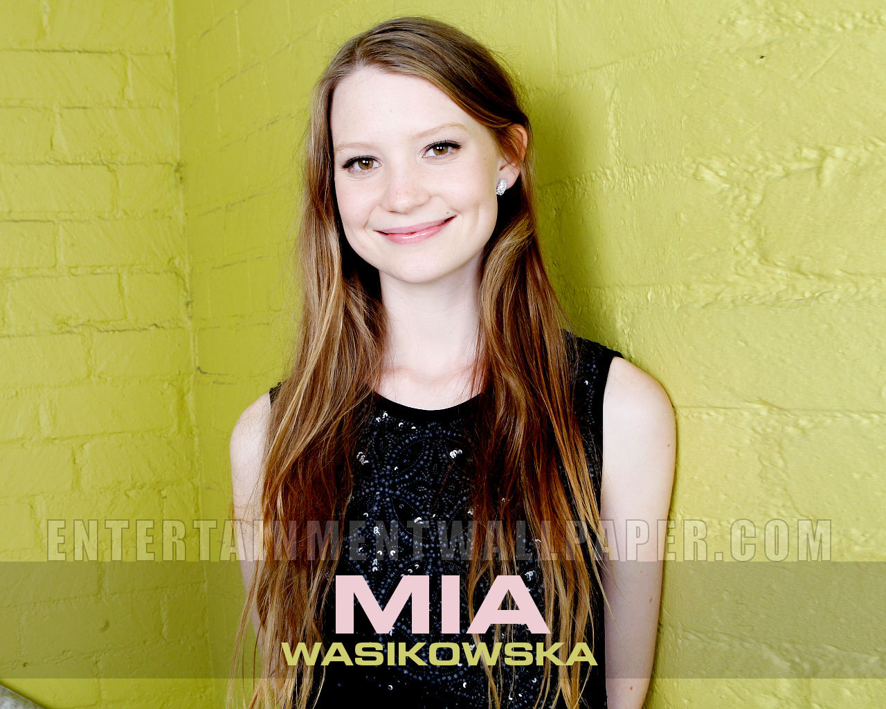 Free Mia Wasikowska Wallpaper