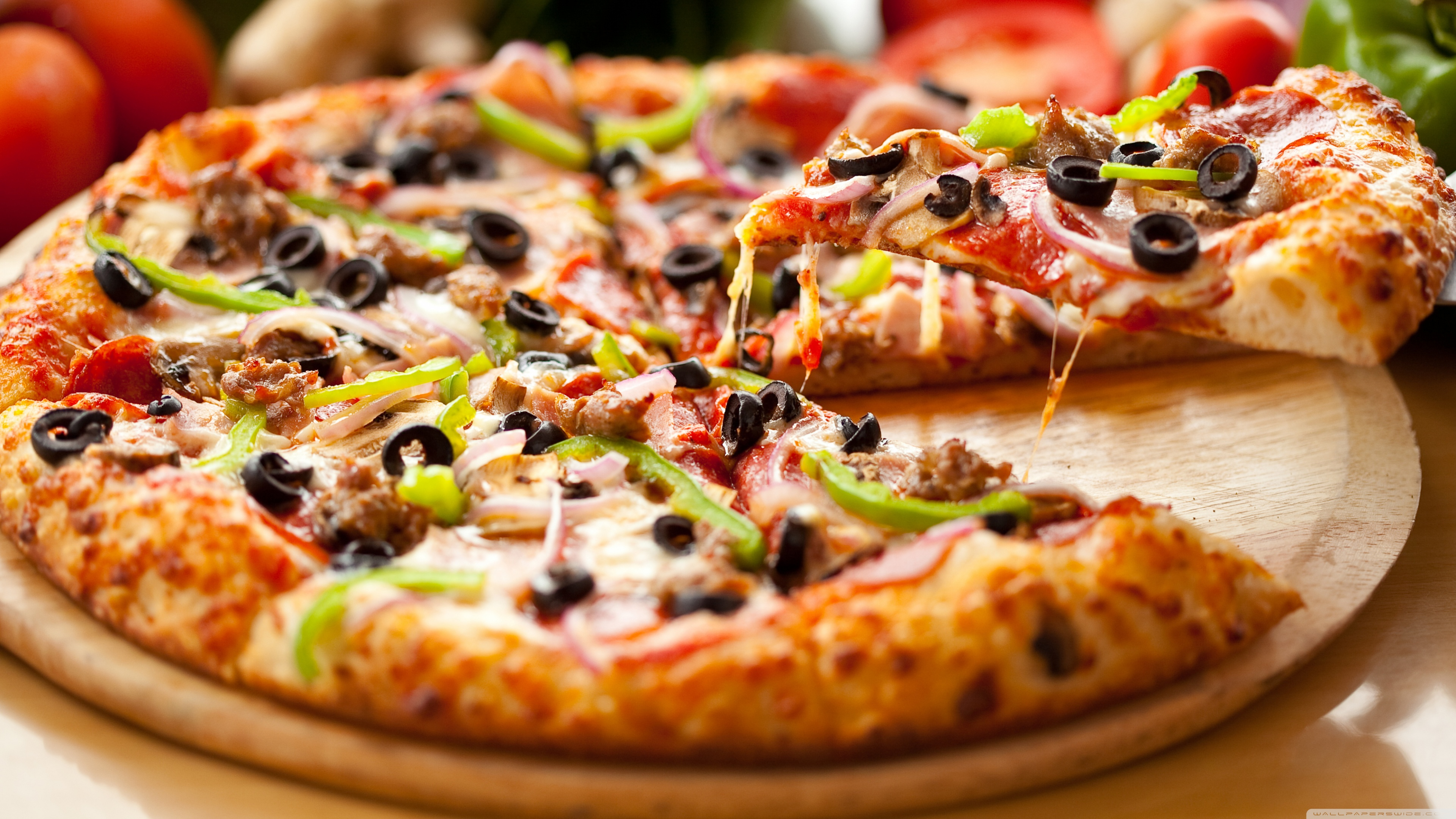 Free Pizza Wallpaper