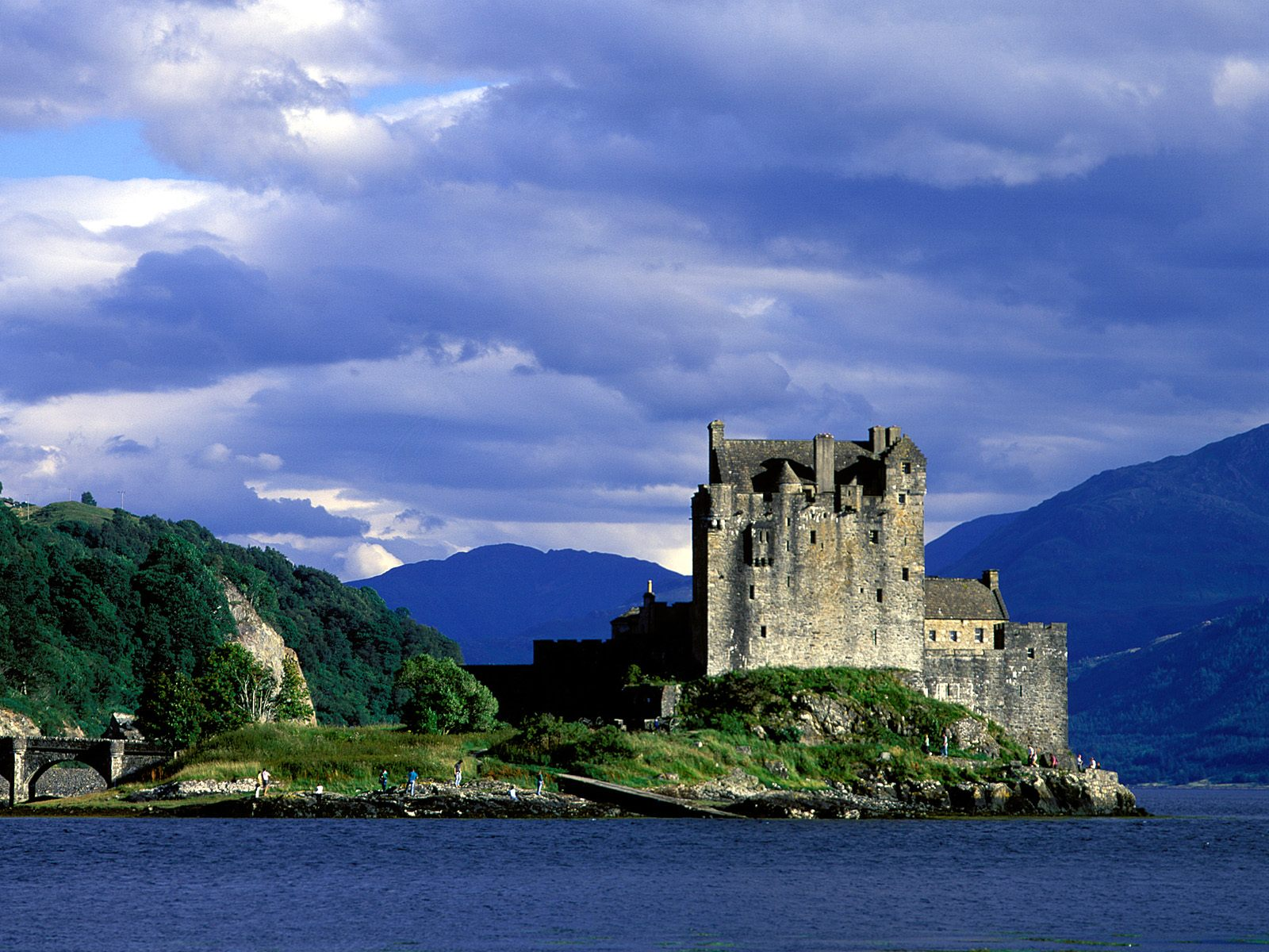 Eilean Donan Castle in Scotland For Scottish Wallpapers Free Download Android