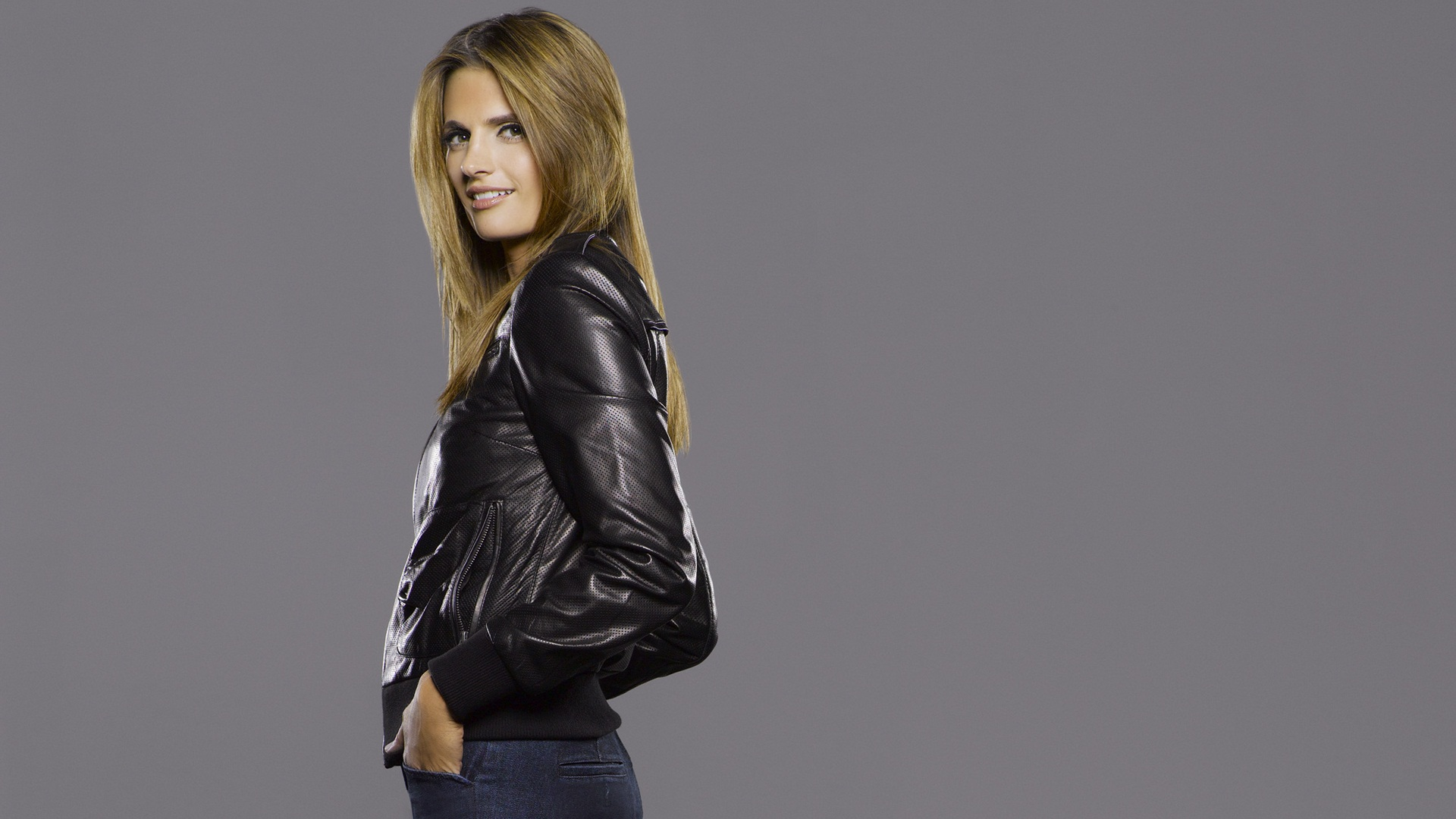 Free Stana Katic Wallpaper