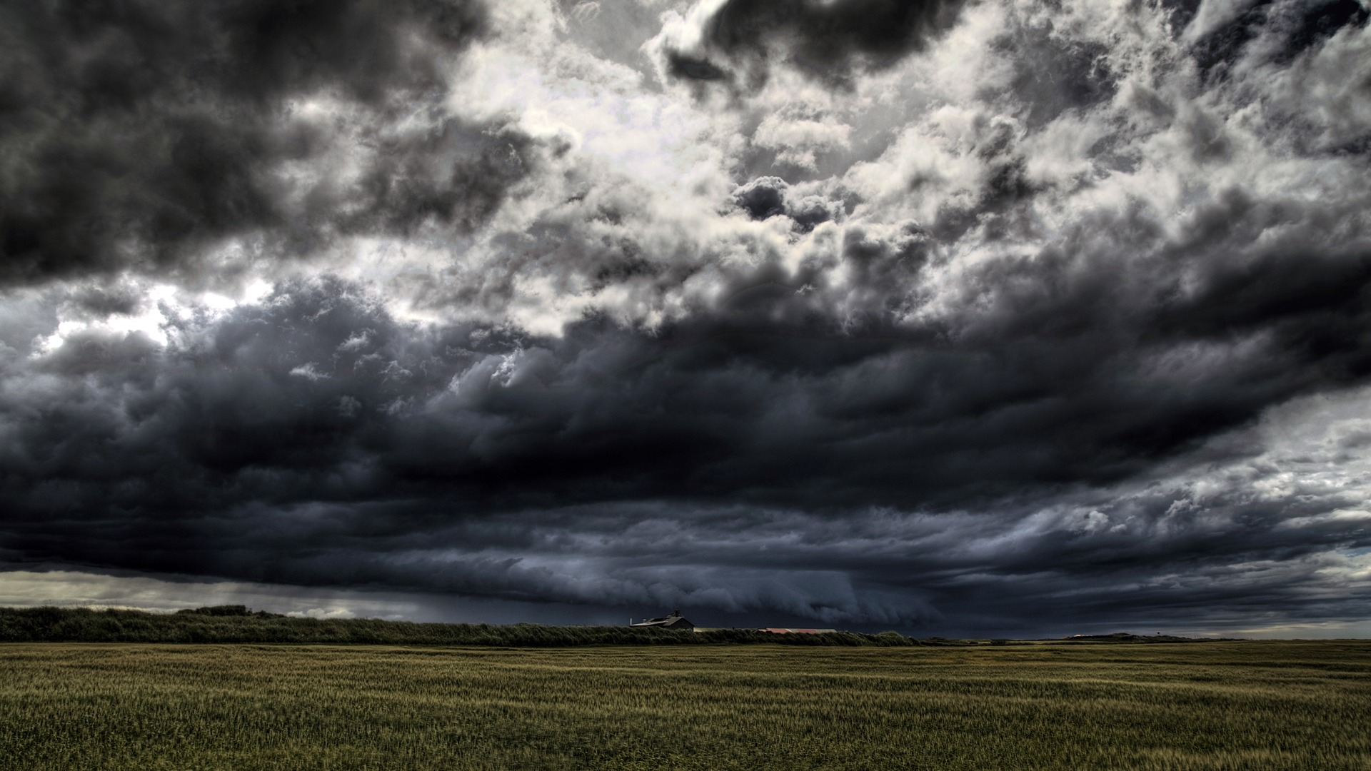 Free Storm Clouds Wallpaper