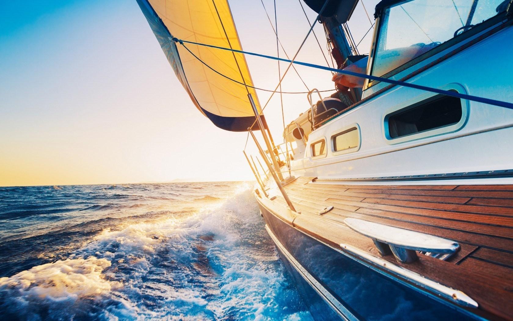 Free Yacht Wallpaper