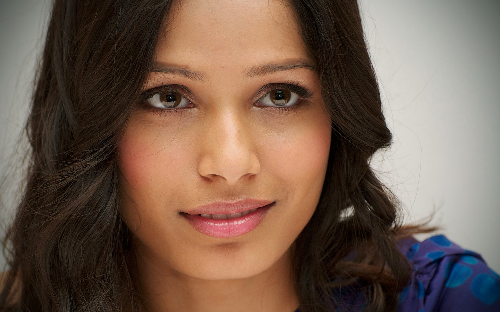 Freida Pinto Celebs Pics For Teclast X98 AIR 3G