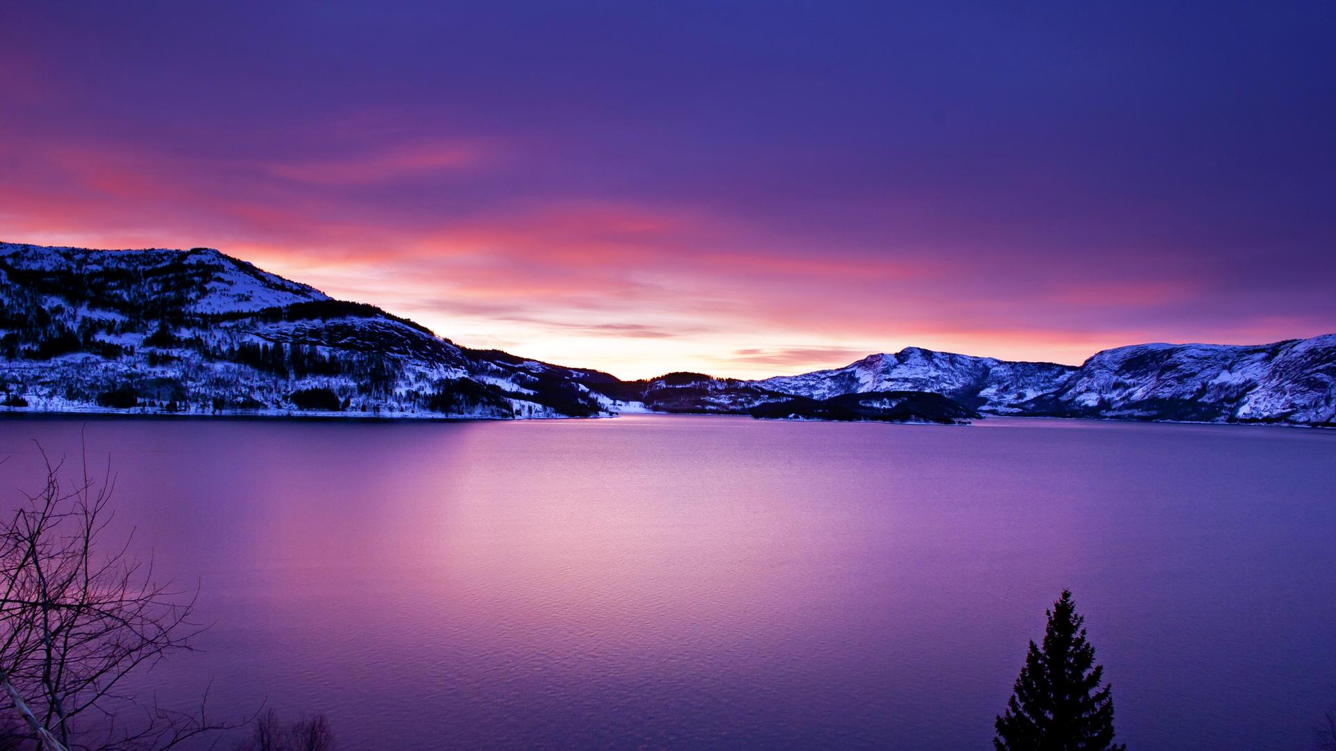 Frozen Lake Wallpaper