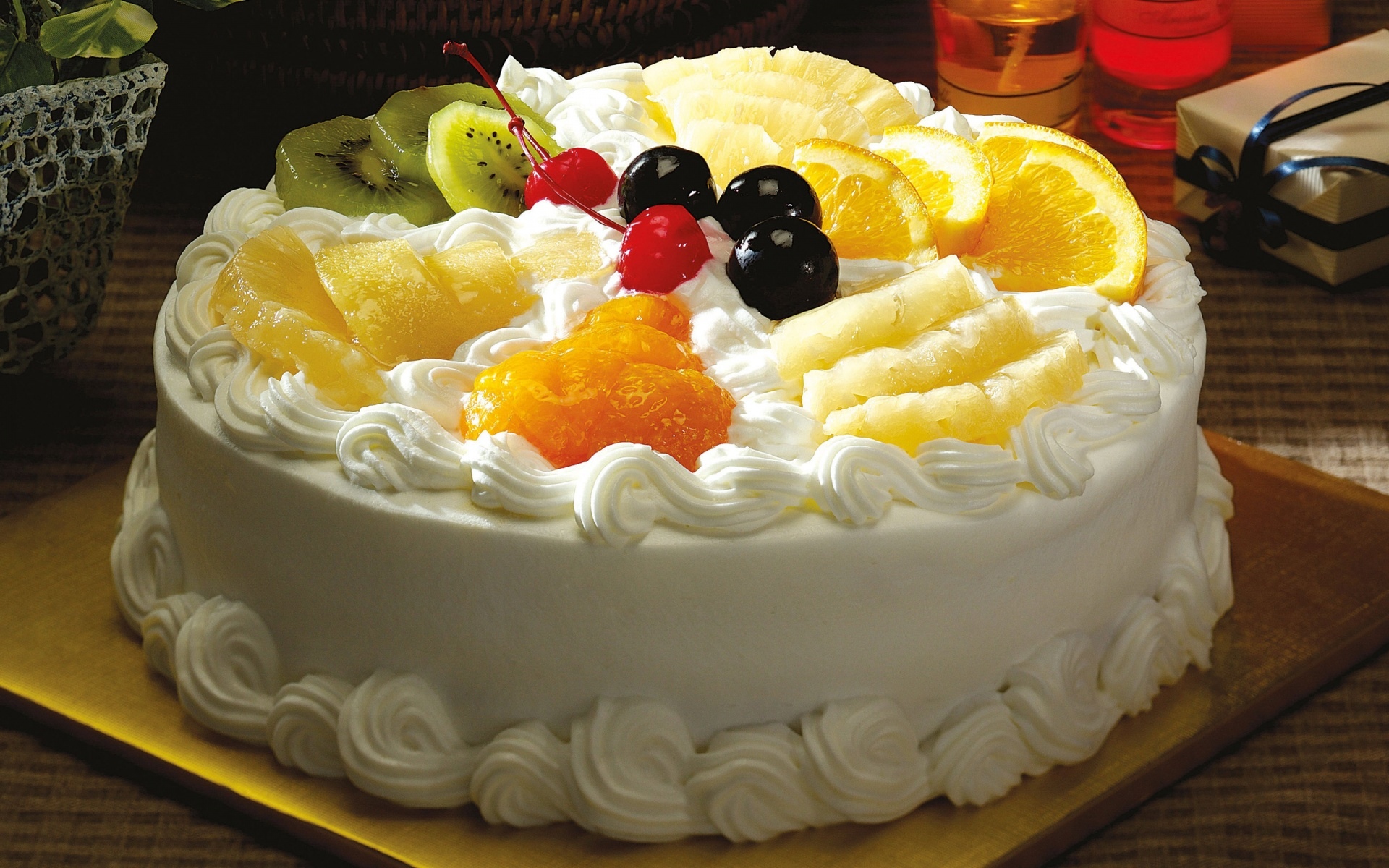 Fruit Creamy Cake