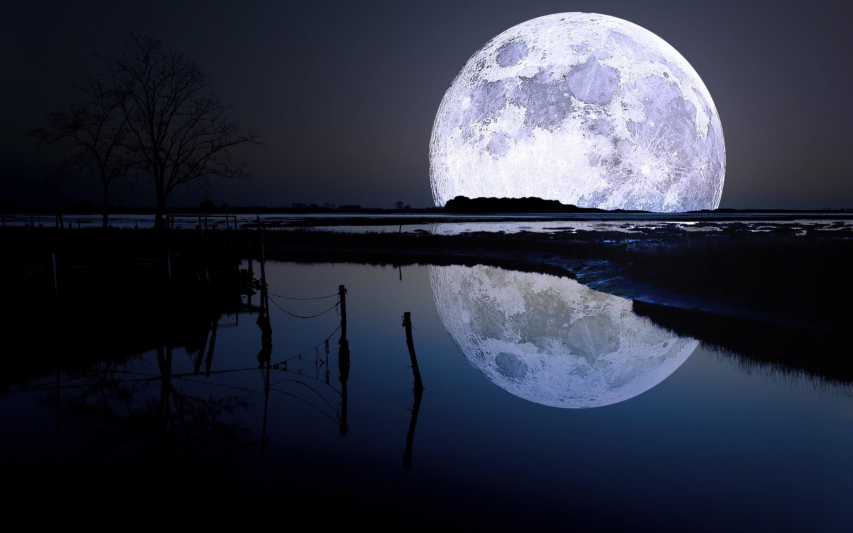 Full moon lagoon