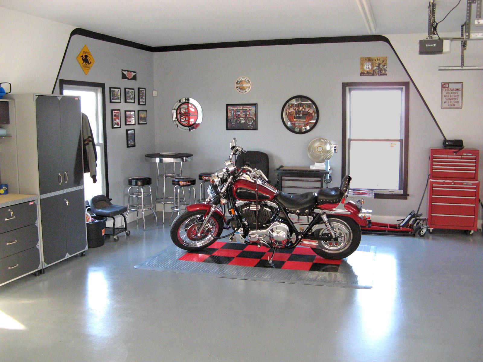 Harley Davison Pub Garage