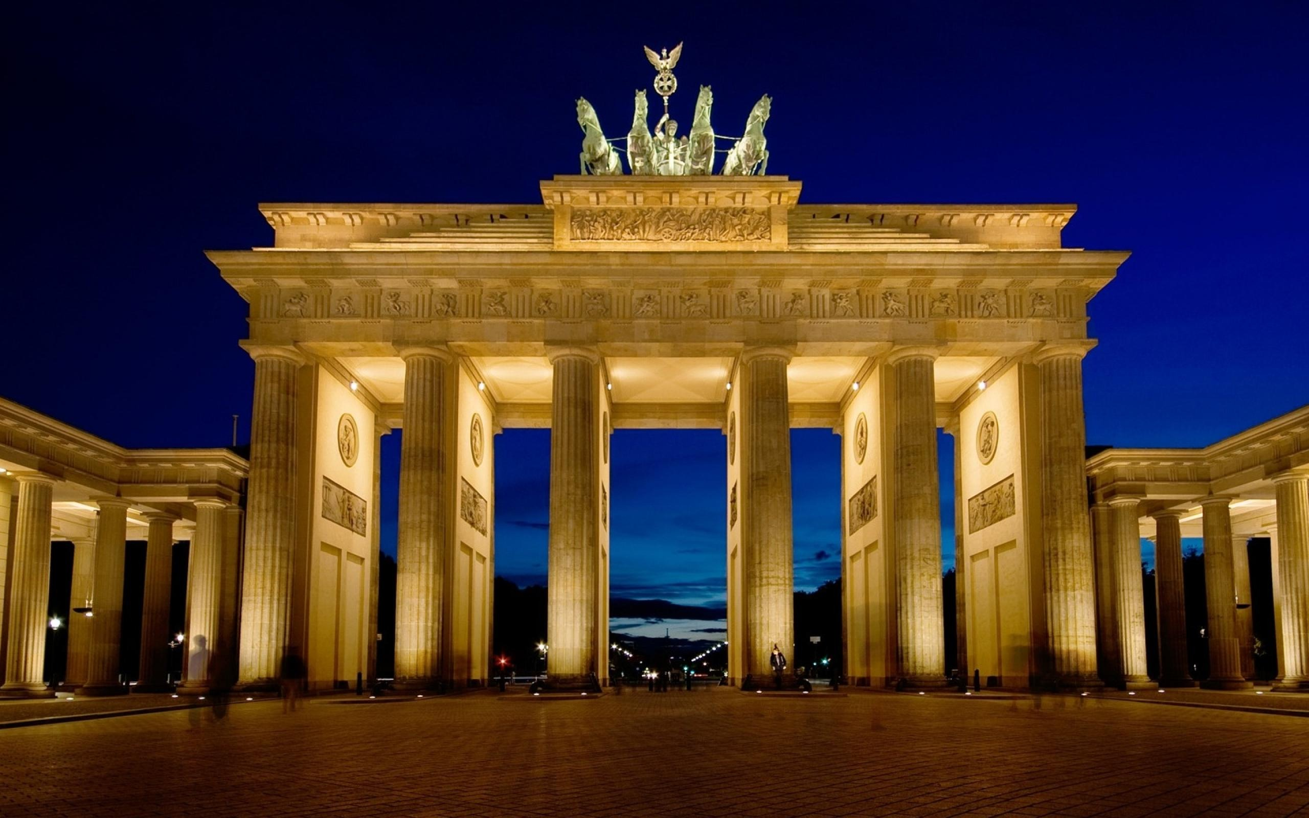 Brandenburg-Gate-Berlin-Germany-Wallpaper ...
