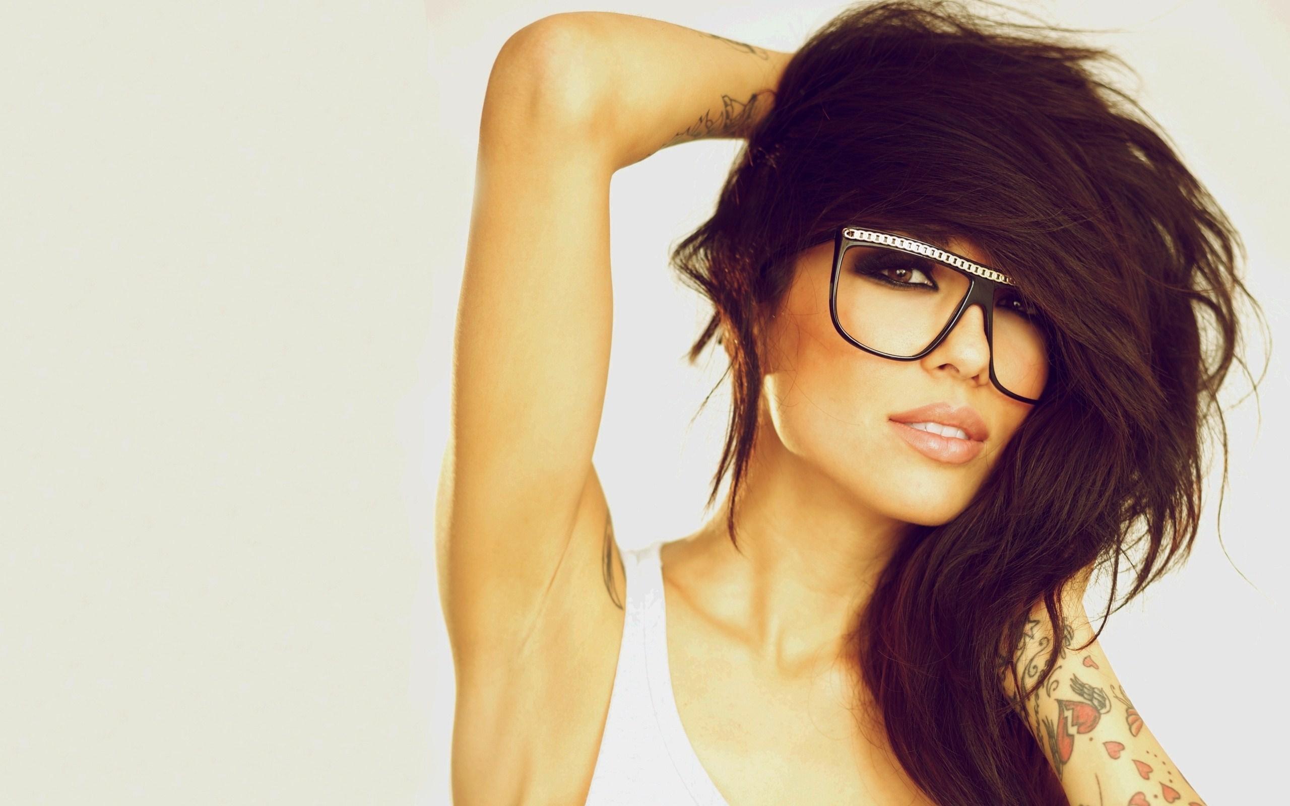 Girl Alie Layus Glasses Portrait