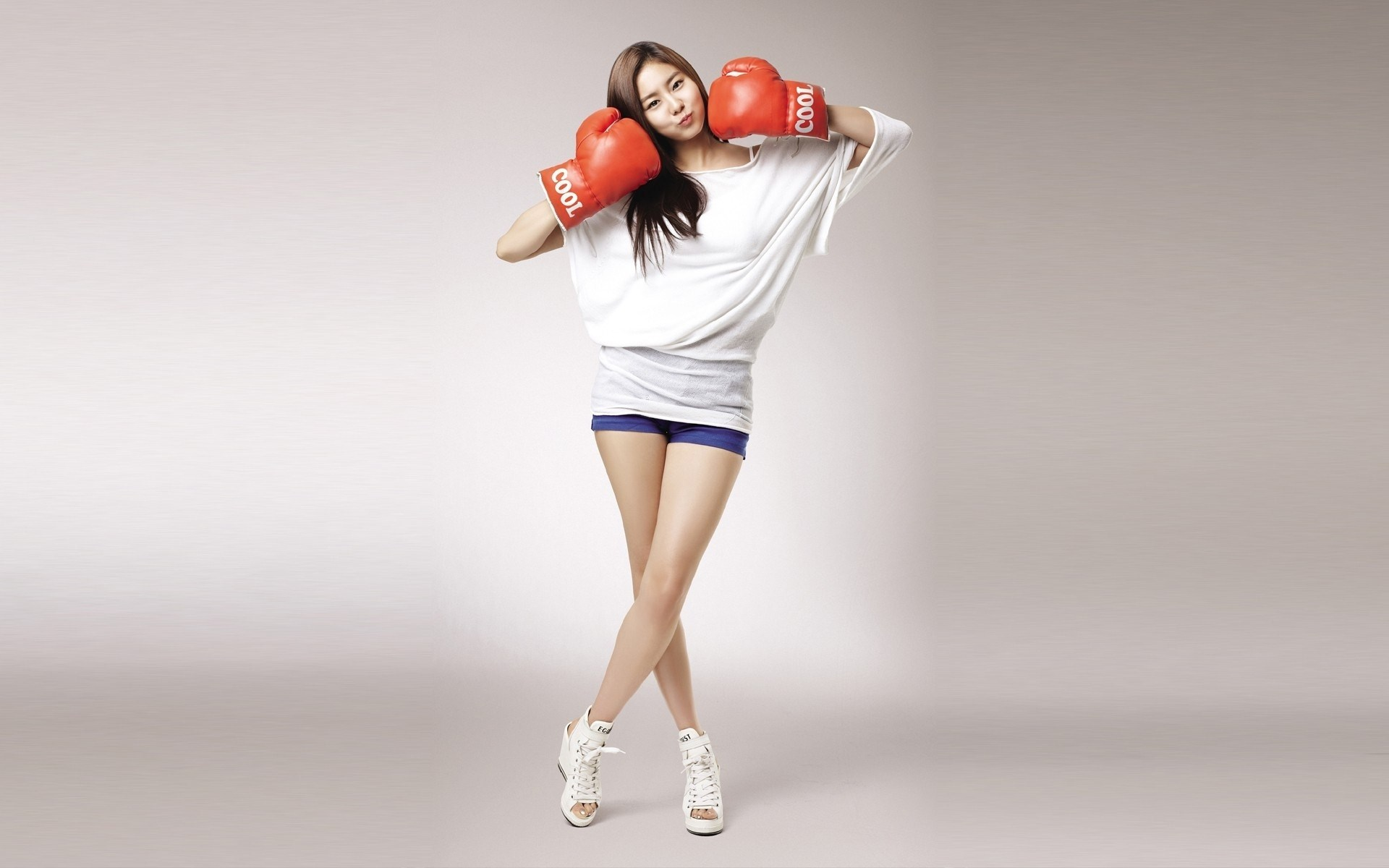 Girl Asian Boxing Gloves Sport HD Wallpaper