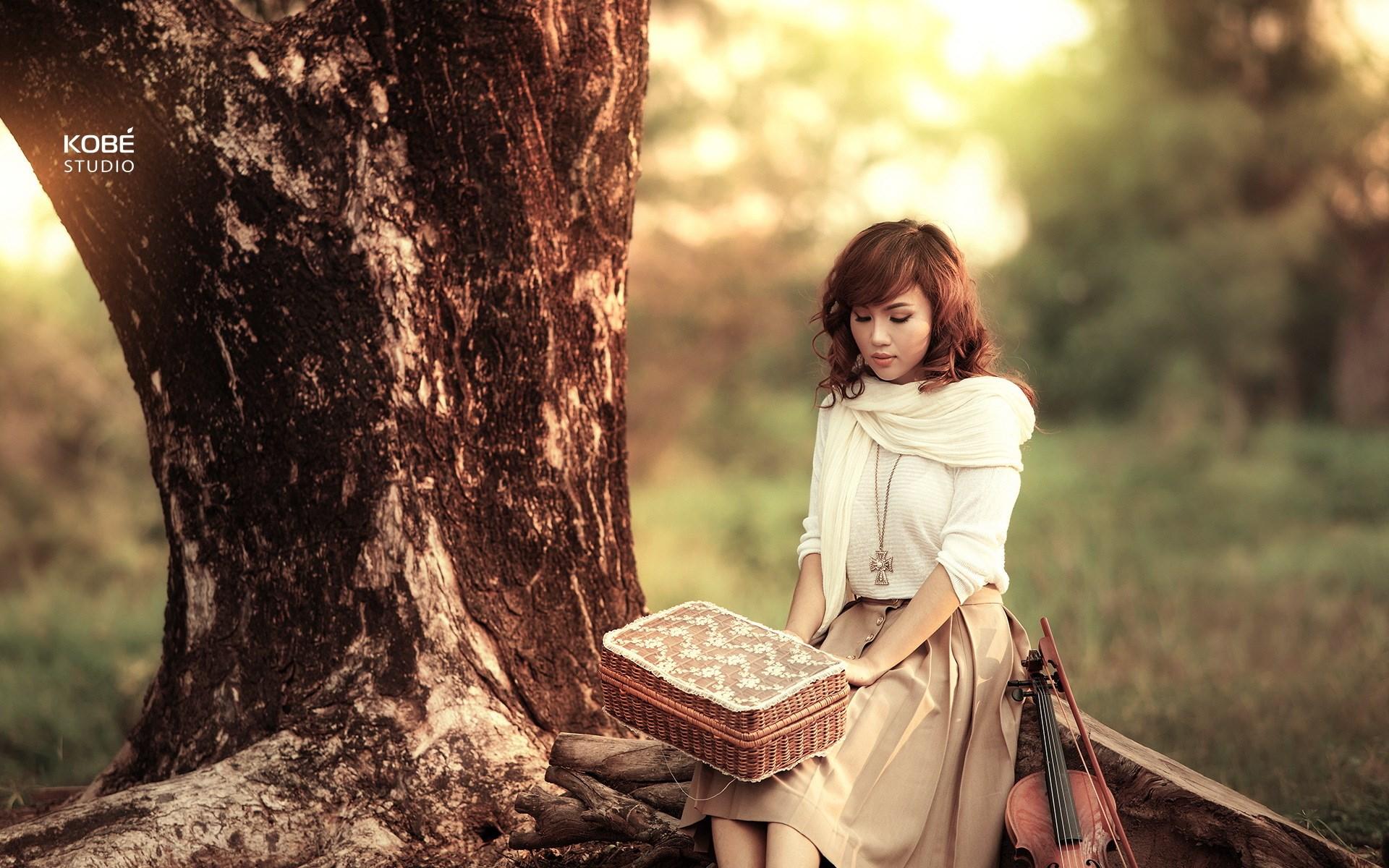 Girl Asian Violin Music