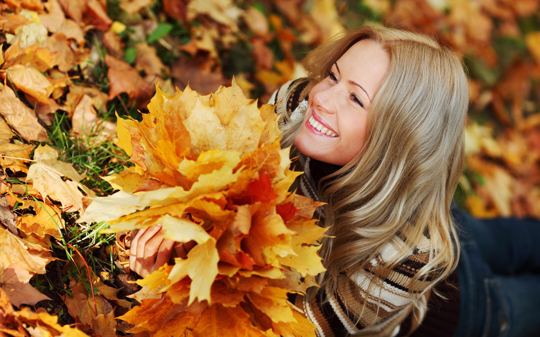 Girl autumn leaves