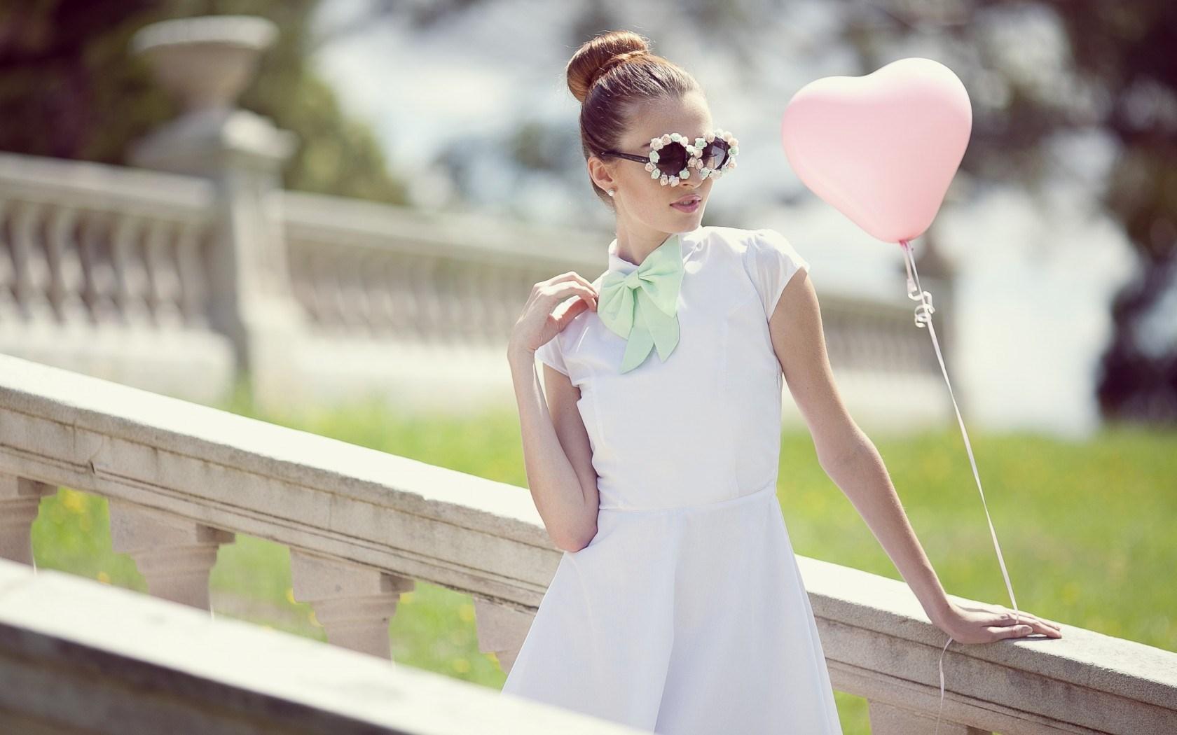 Girl Balloon Heart Glasses