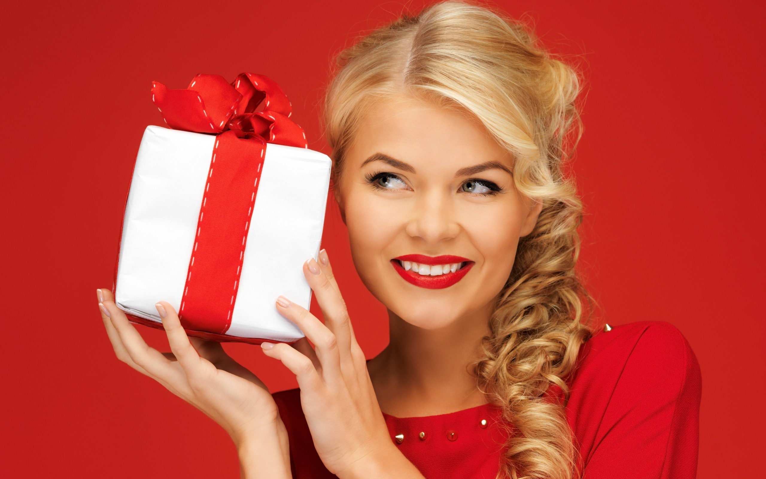 Girl Blonde Smile Gift