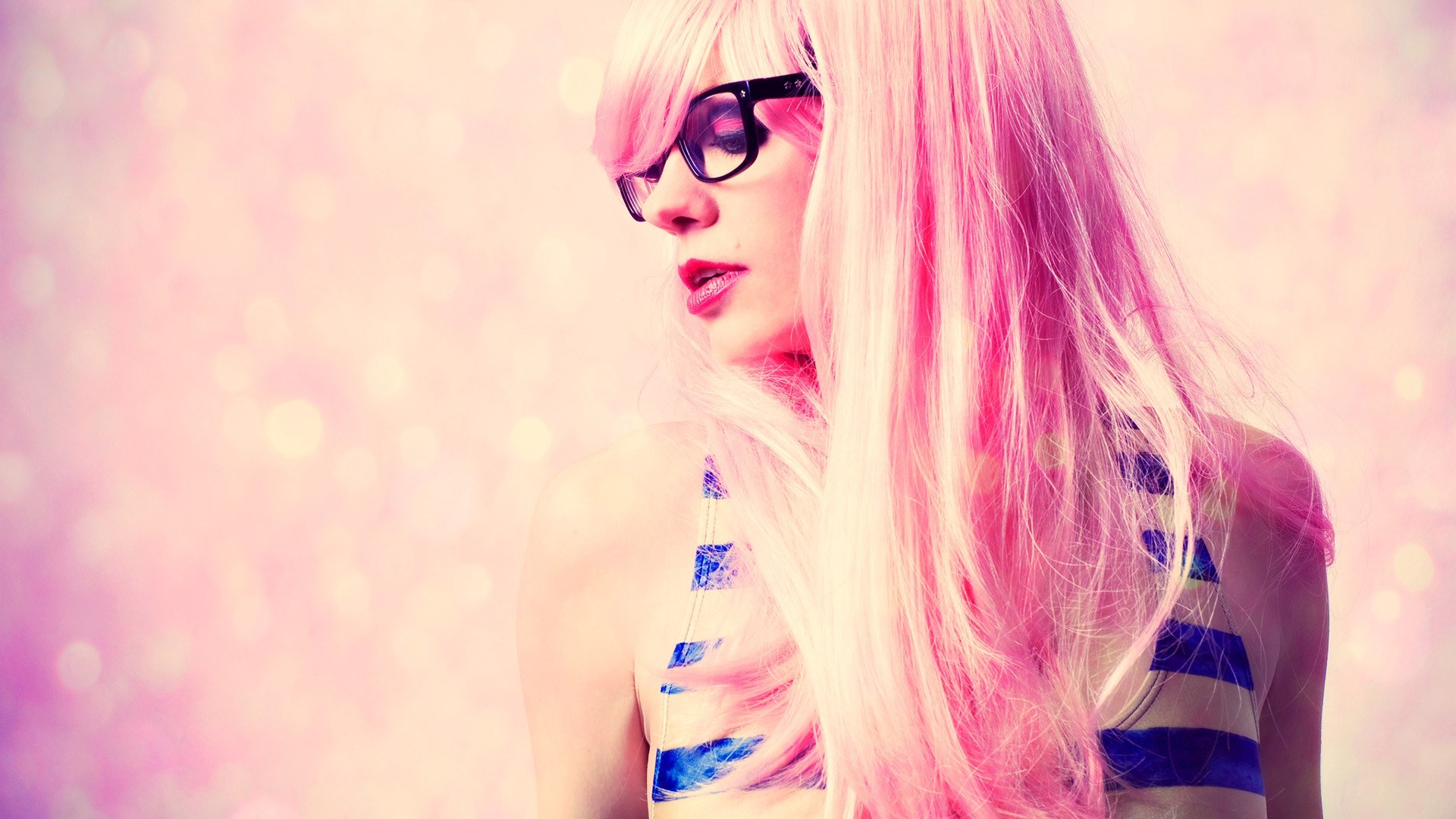 Blonde Girl Glasses Style Fashion HD Wallpaper