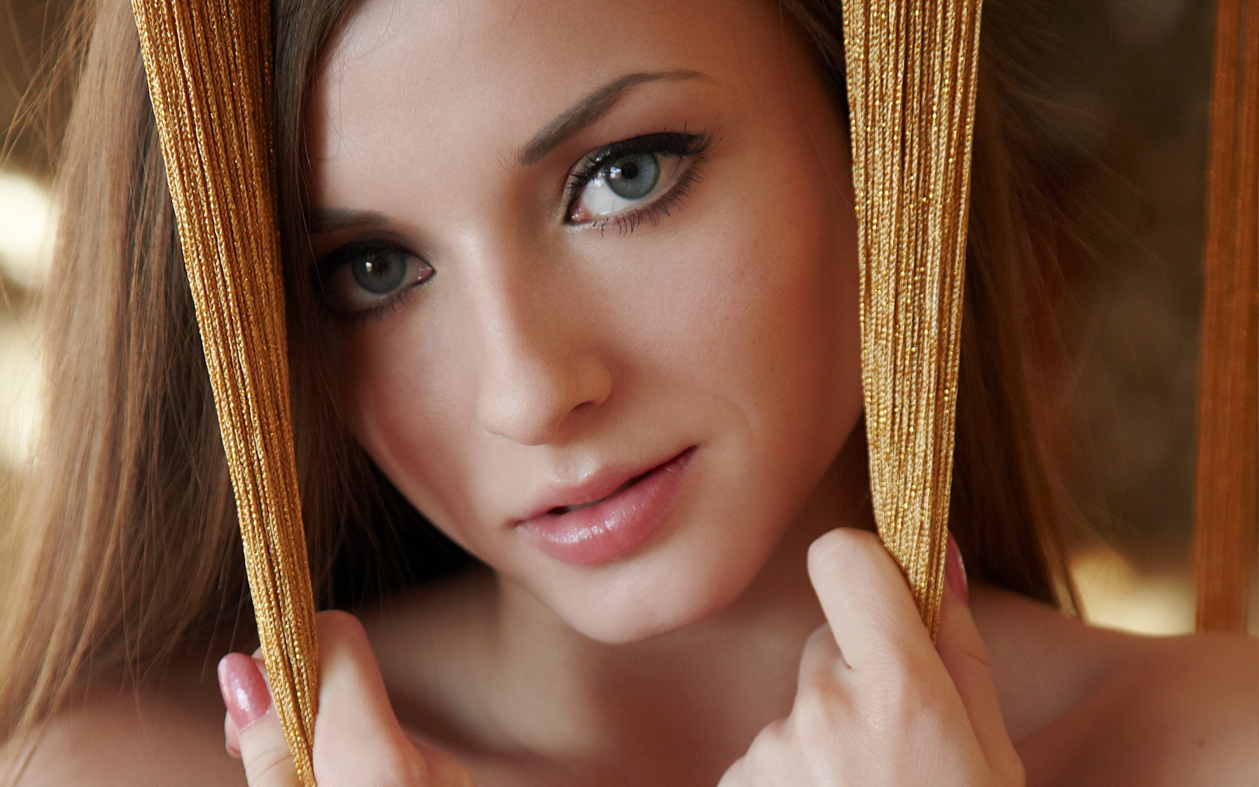 2560x1600 Wallpaper girl, blue-eyed, face, close-up