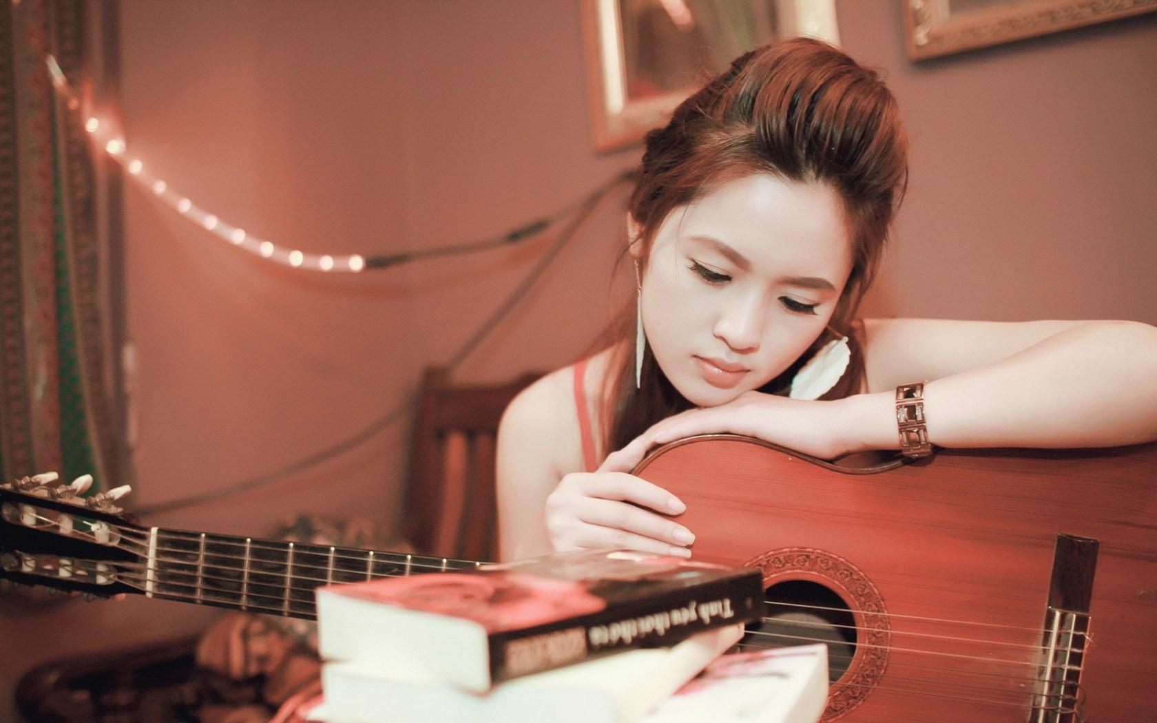 Girl Guitar Mood