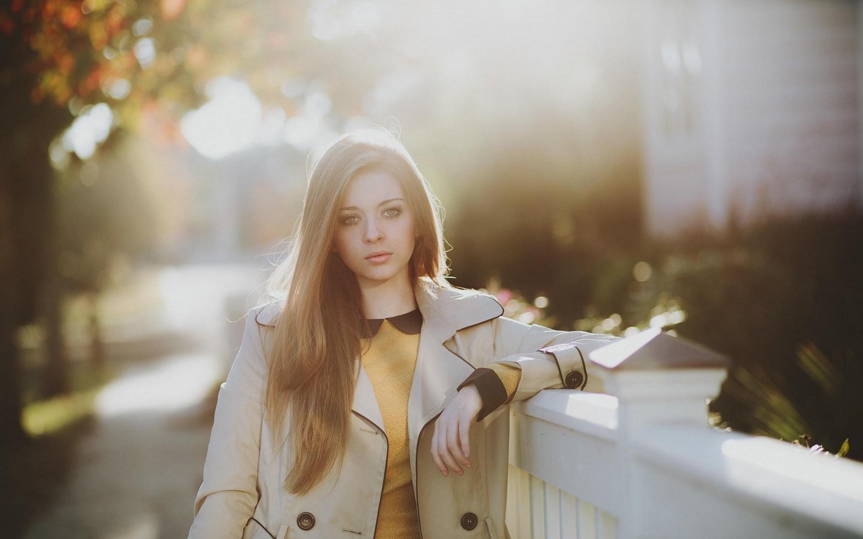 Girl Model Bokeh Wallpaper