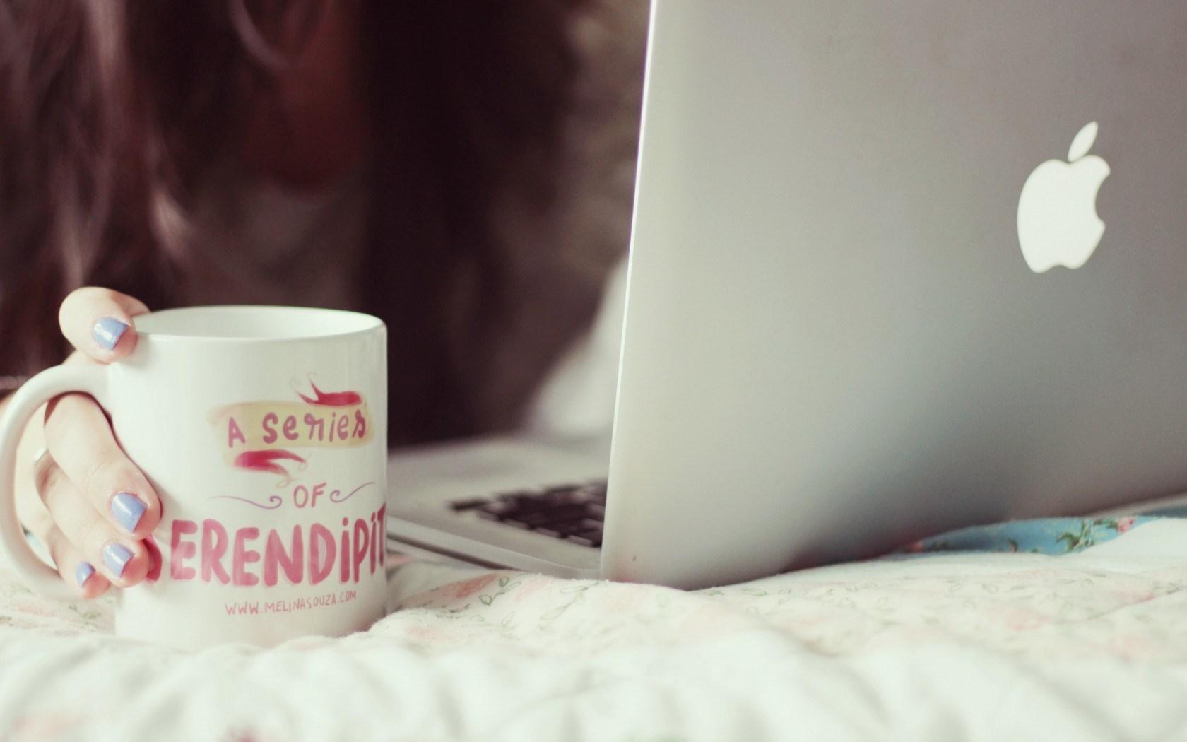 Girl Mug Notebook Apple Hi-Tech Mood HD Wallpaper