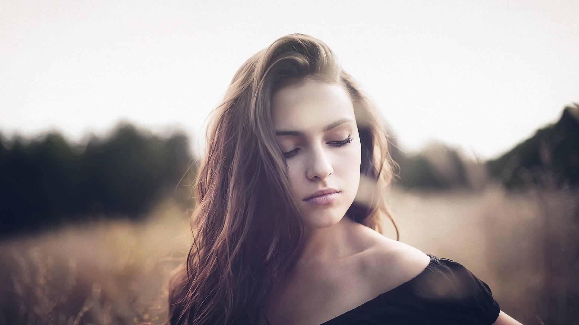 Girl Portrait Look