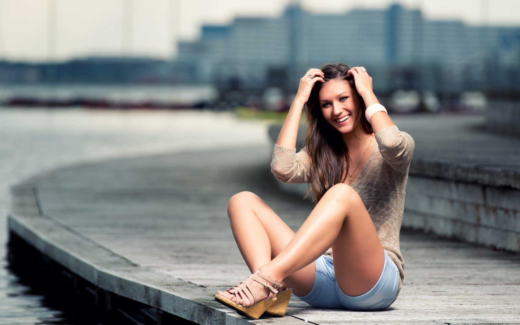 Girl Shorts Smile Happy Photo