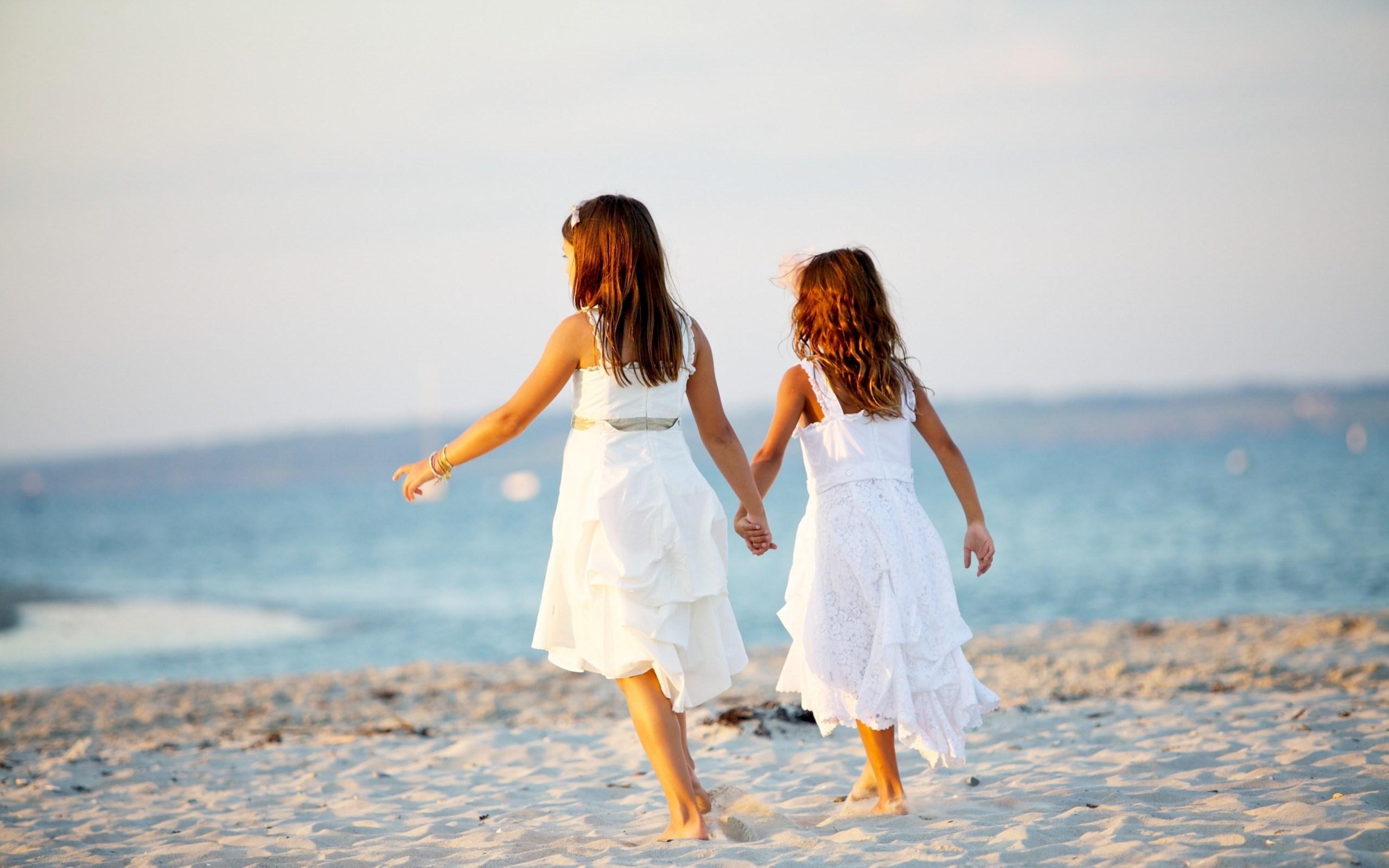 Girls Beach Sand Summer Children Wallpaper 2560x1600 15461