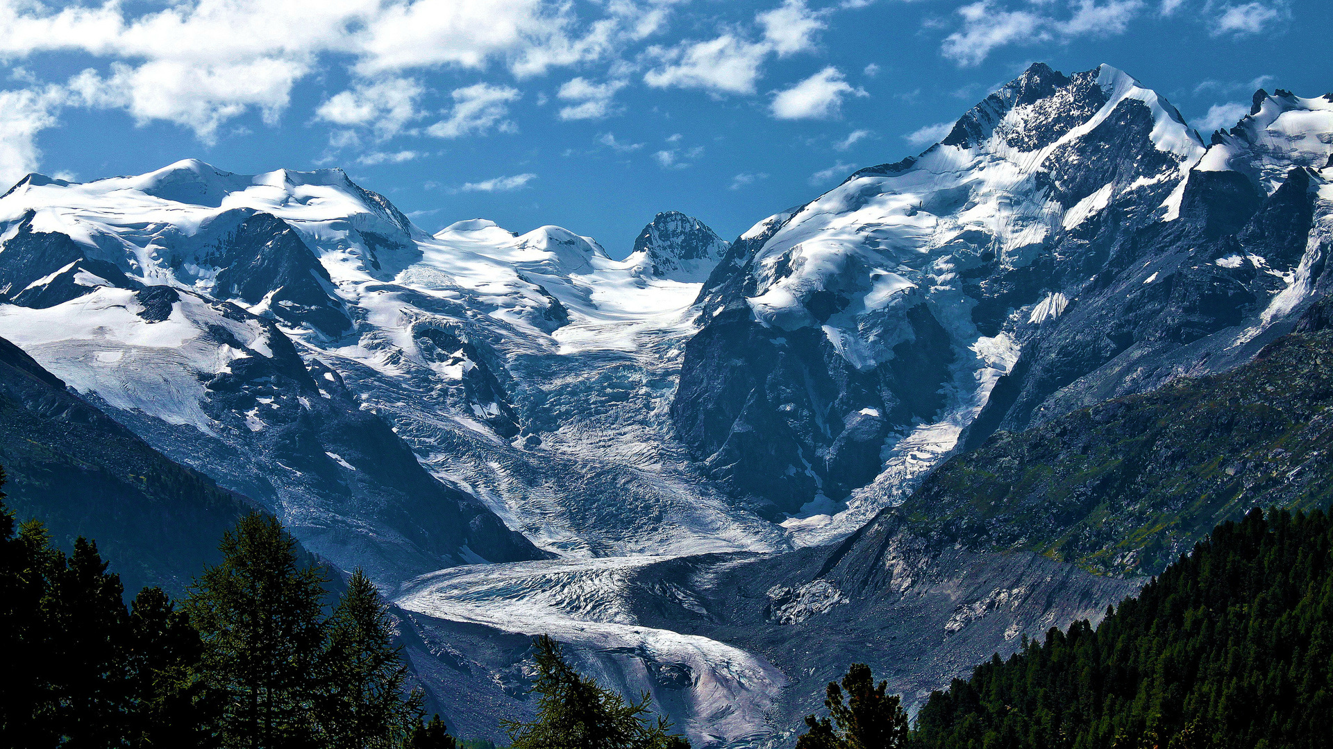 Mountain Glacier Flow wallpaper