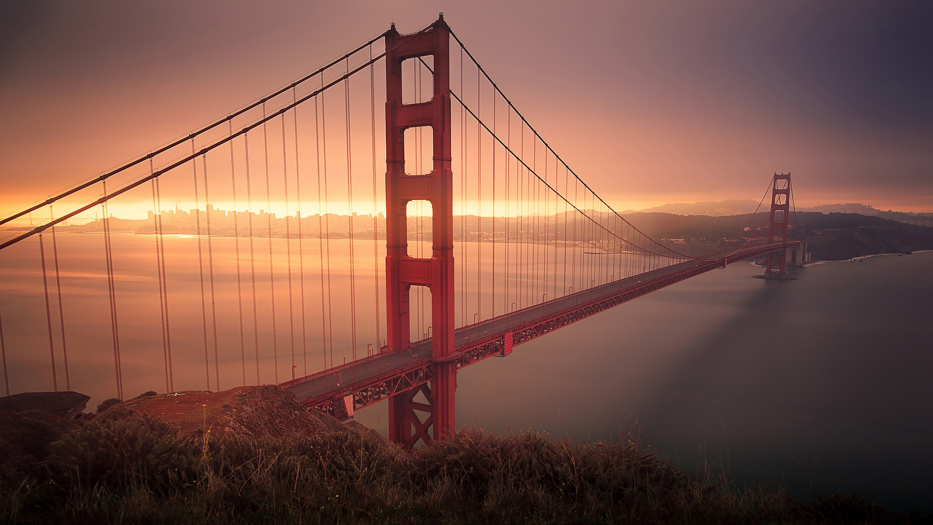 Man Made - Golden Gate Wallpaper