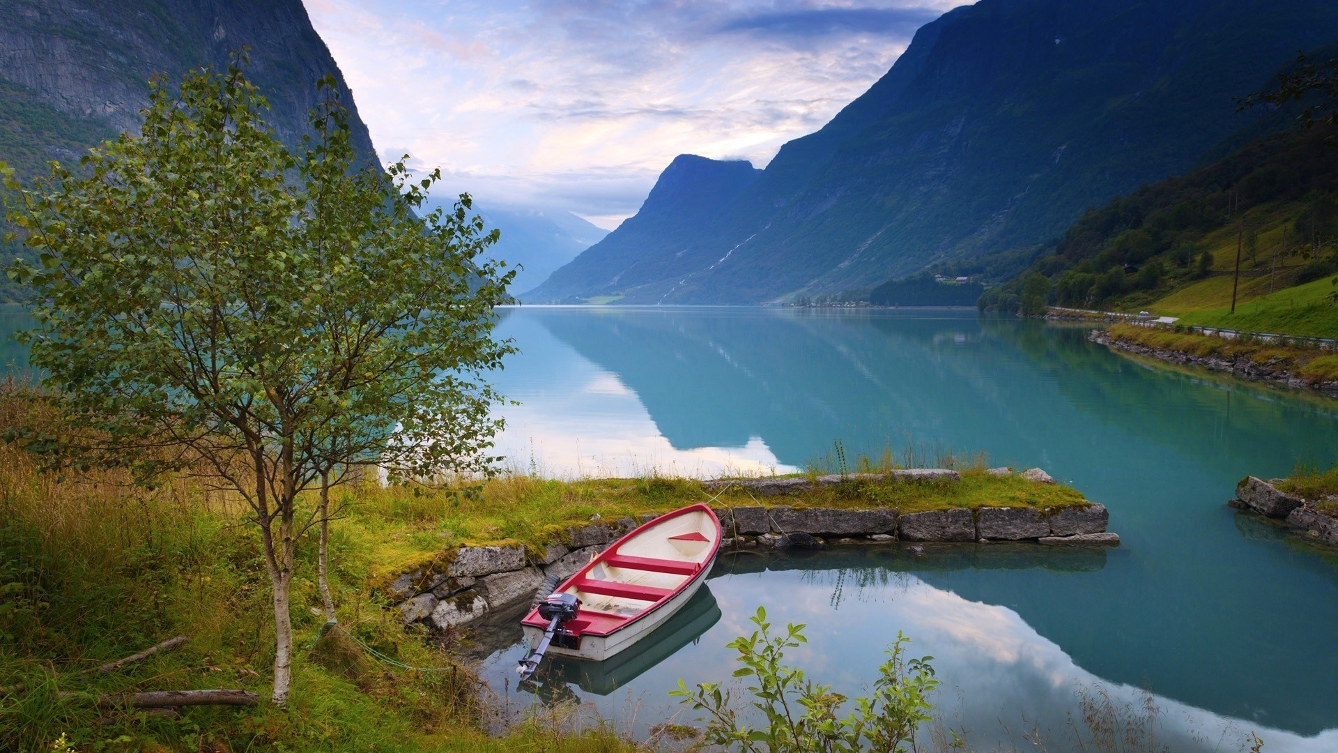 Gorgeous Boat Wallpaper